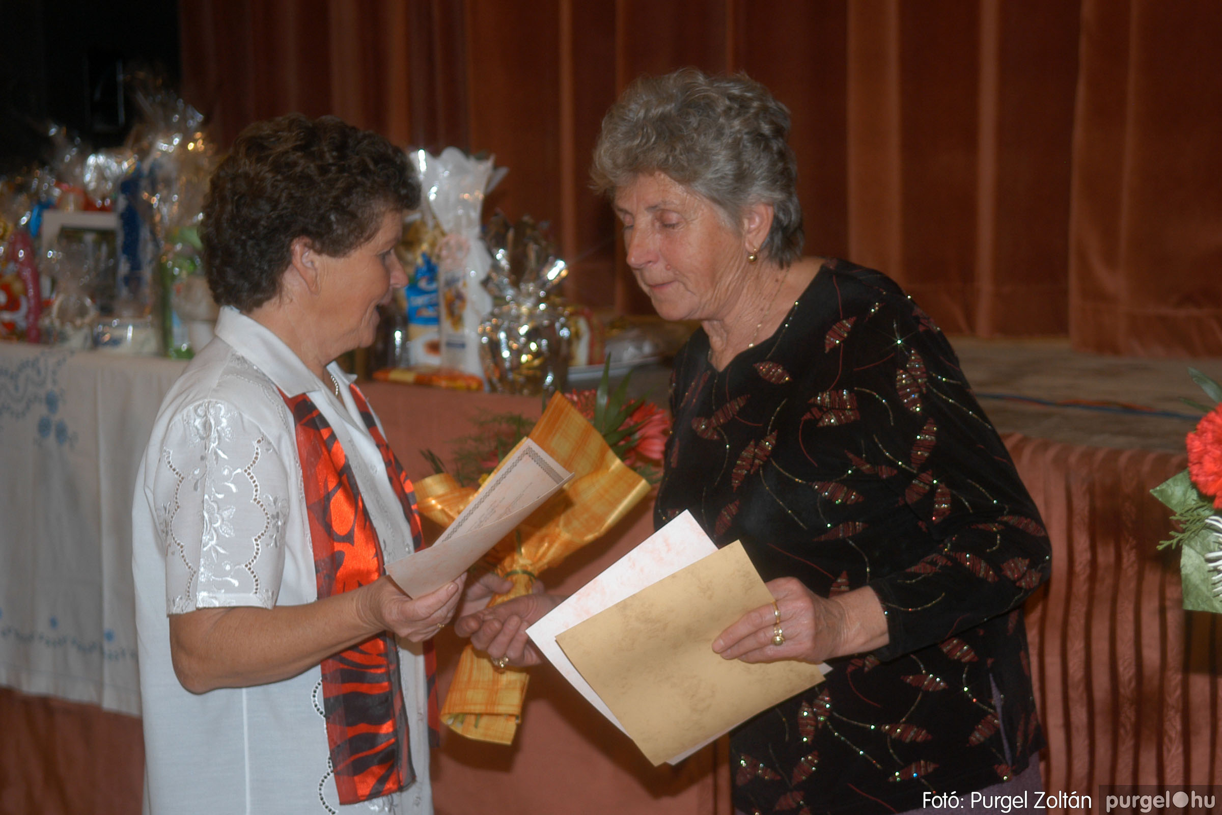 2006.11.25. 030 Szép Öregkor Nyugdíjas Klub bál - Fotó:PURGEL ZOLTÁN© DSC_0335q.jpg