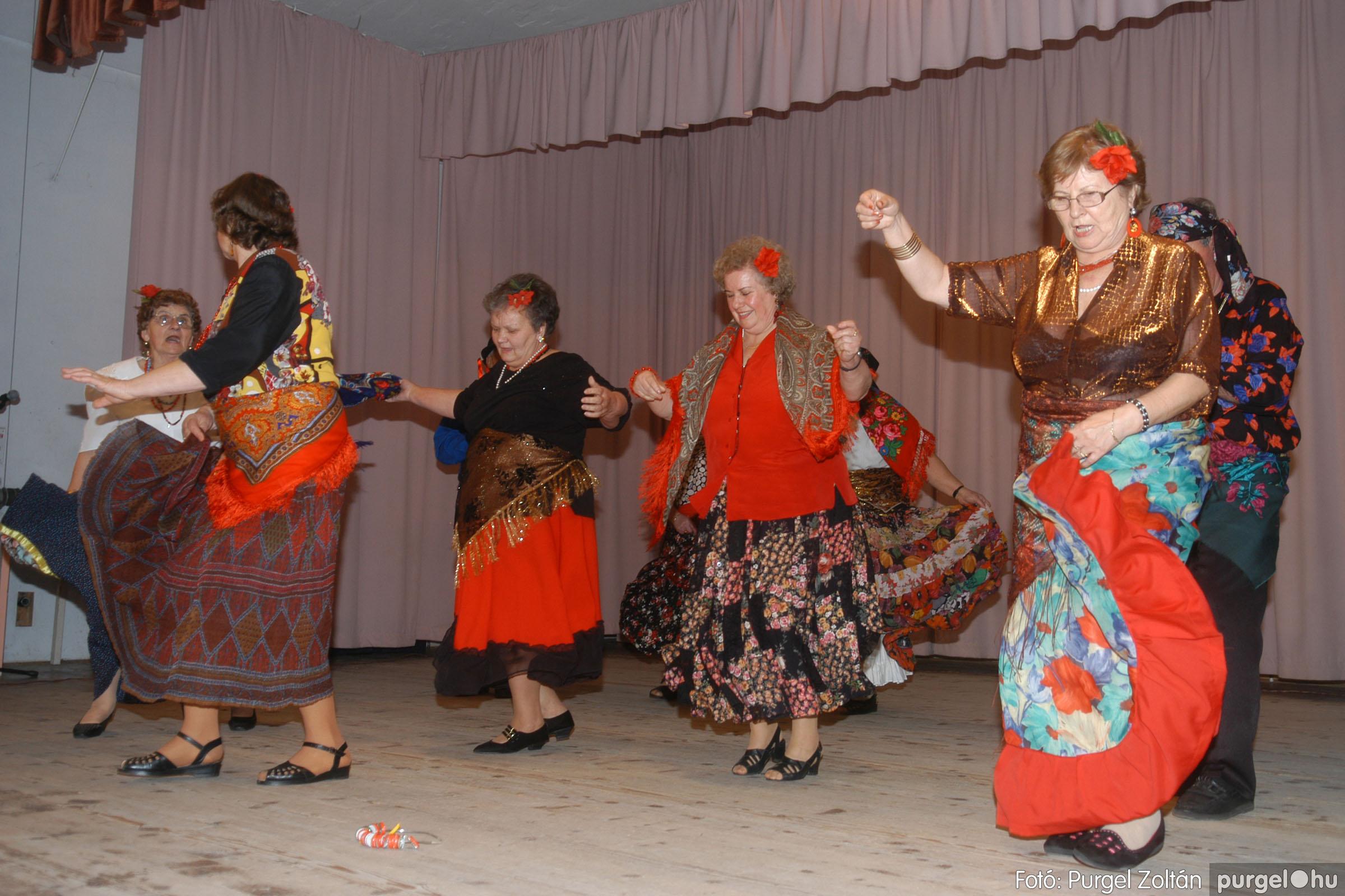 2006.11.25. 025 Szép Öregkor Nyugdíjas Klub bál - Fotó:PURGEL ZOLTÁN© DSC_0330q.jpg