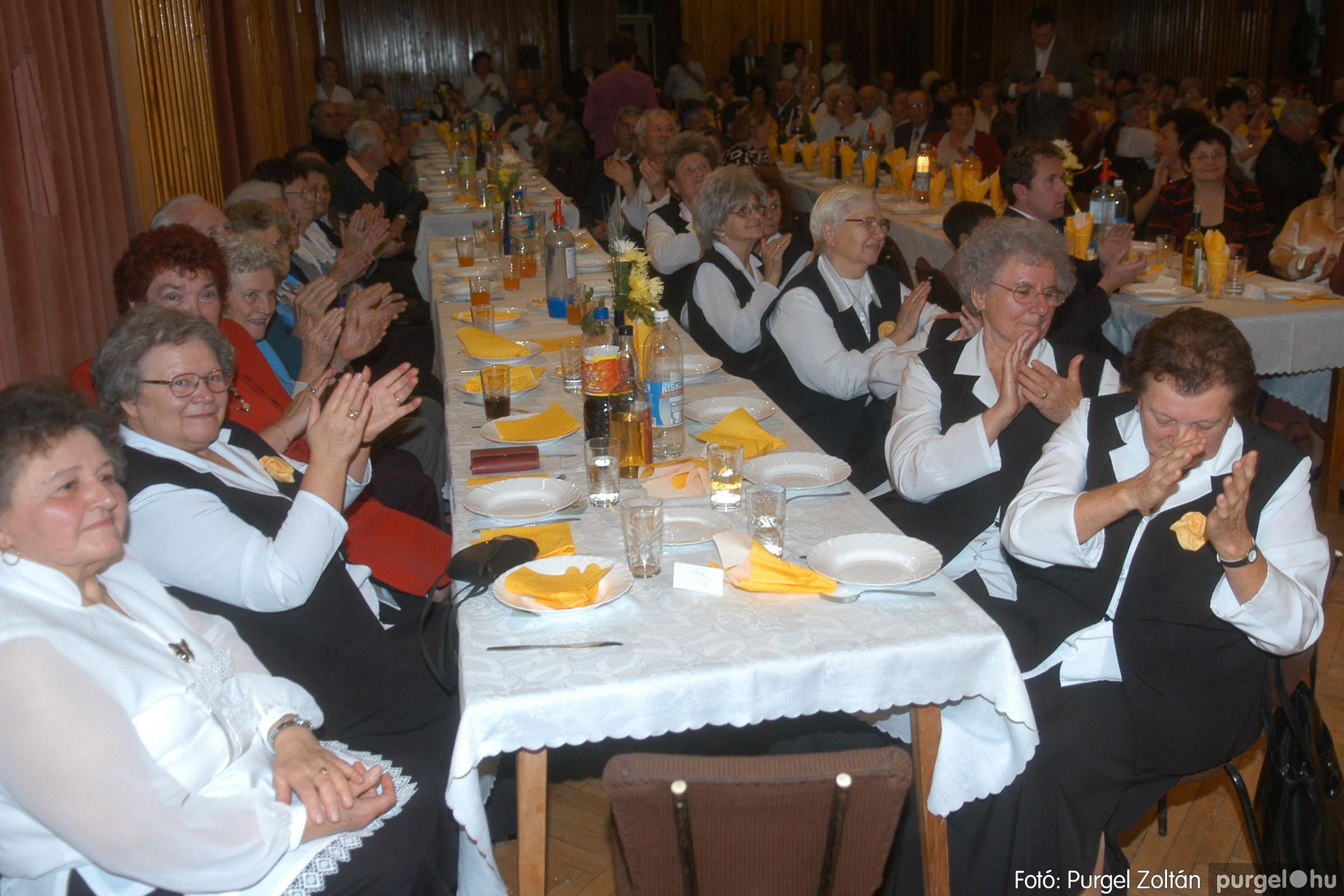 2006.11.25. 014 Szép Öregkor Nyugdíjas Klub bál - Fotó:PURGEL ZOLTÁN© DSC_0319q.jpg