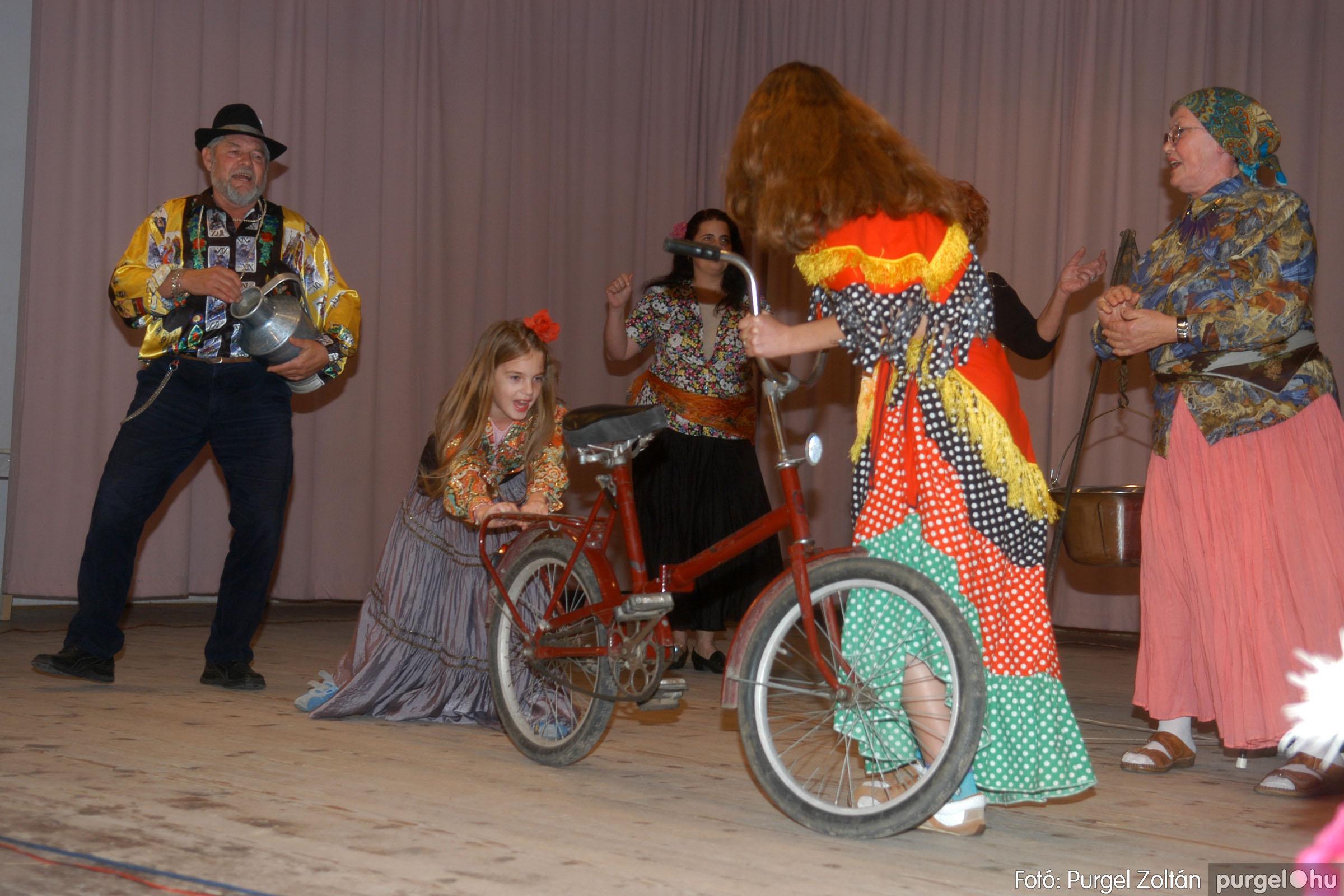 2006.11.25. 013 Szép Öregkor Nyugdíjas Klub bál - Fotó:PURGEL ZOLTÁN© DSC_0318q.jpg