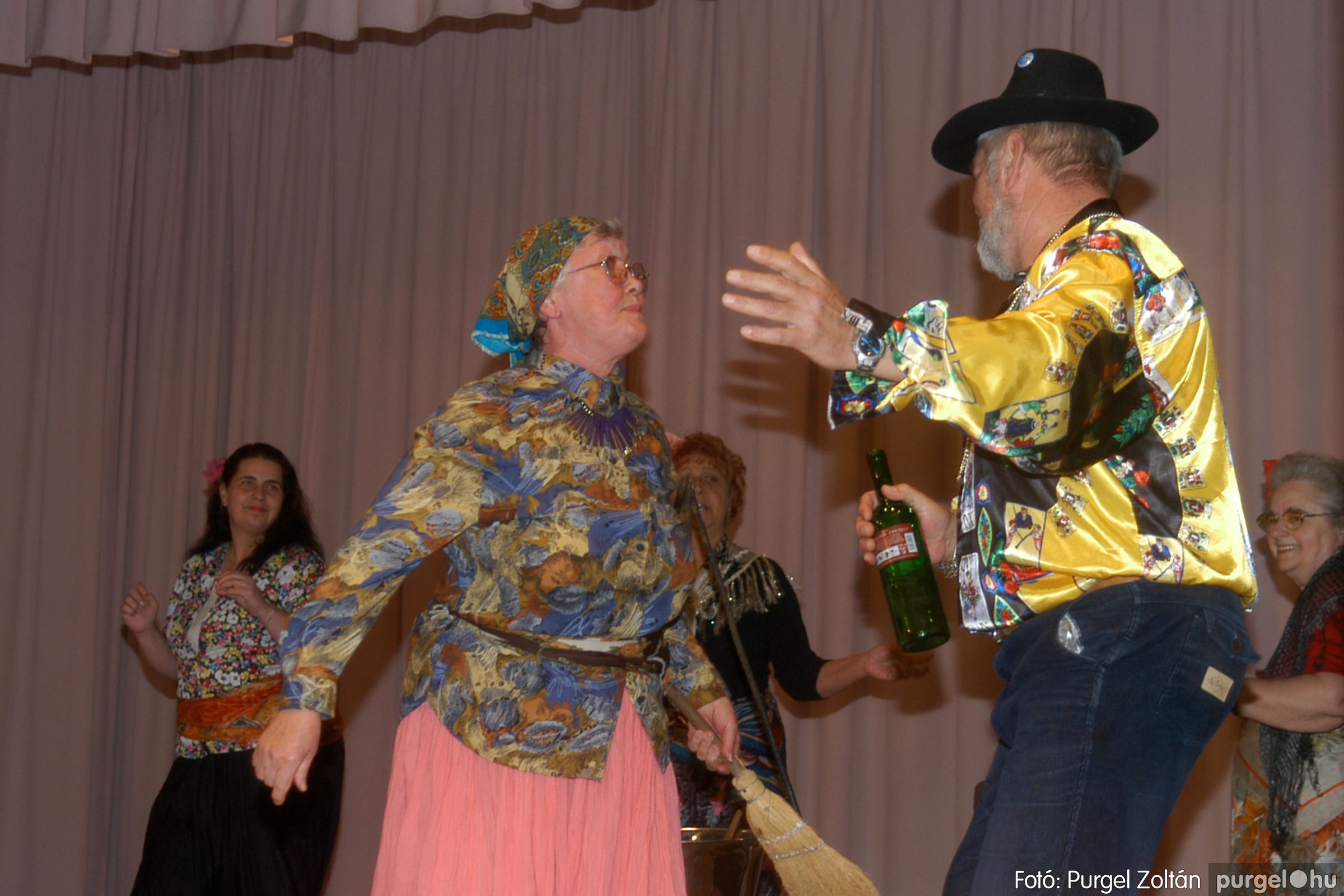 2006.11.25. 011 Szép Öregkor Nyugdíjas Klub bál - Fotó:PURGEL ZOLTÁN© DSC_0316q.jpg