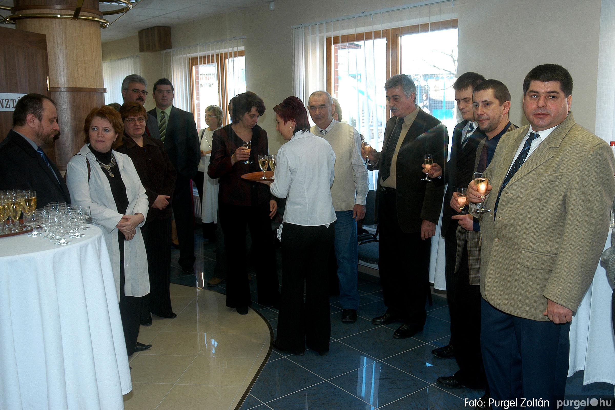 2007.02.02. 012 Szegvár és Vidéke Tak. hódmezővásárhelyi kirendeltségének megnyitója.jpg