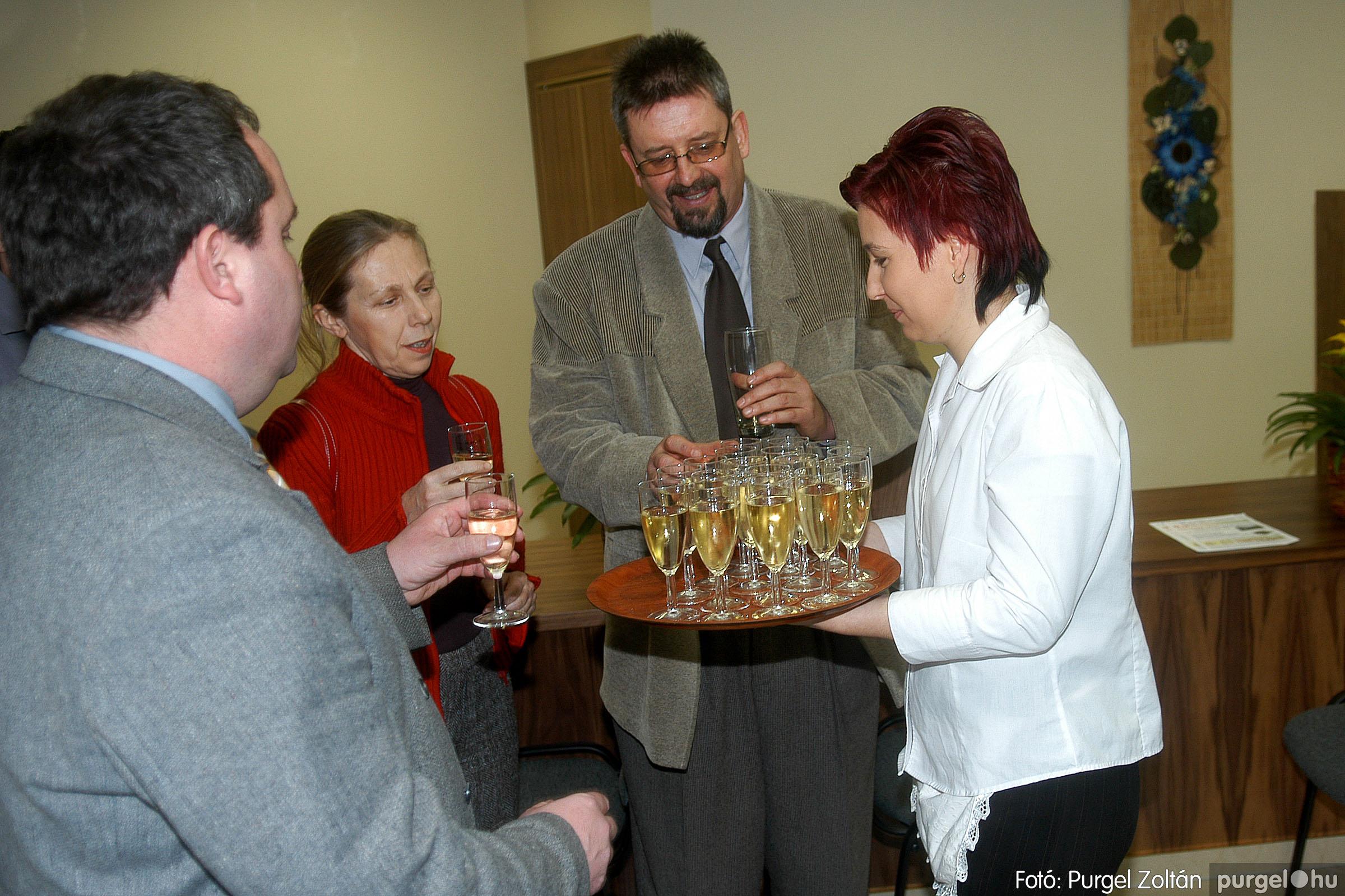 2007.02.02. 011 Szegvár és Vidéke Tak. hódmezővásárhelyi kirendeltségének megnyitója.jpg