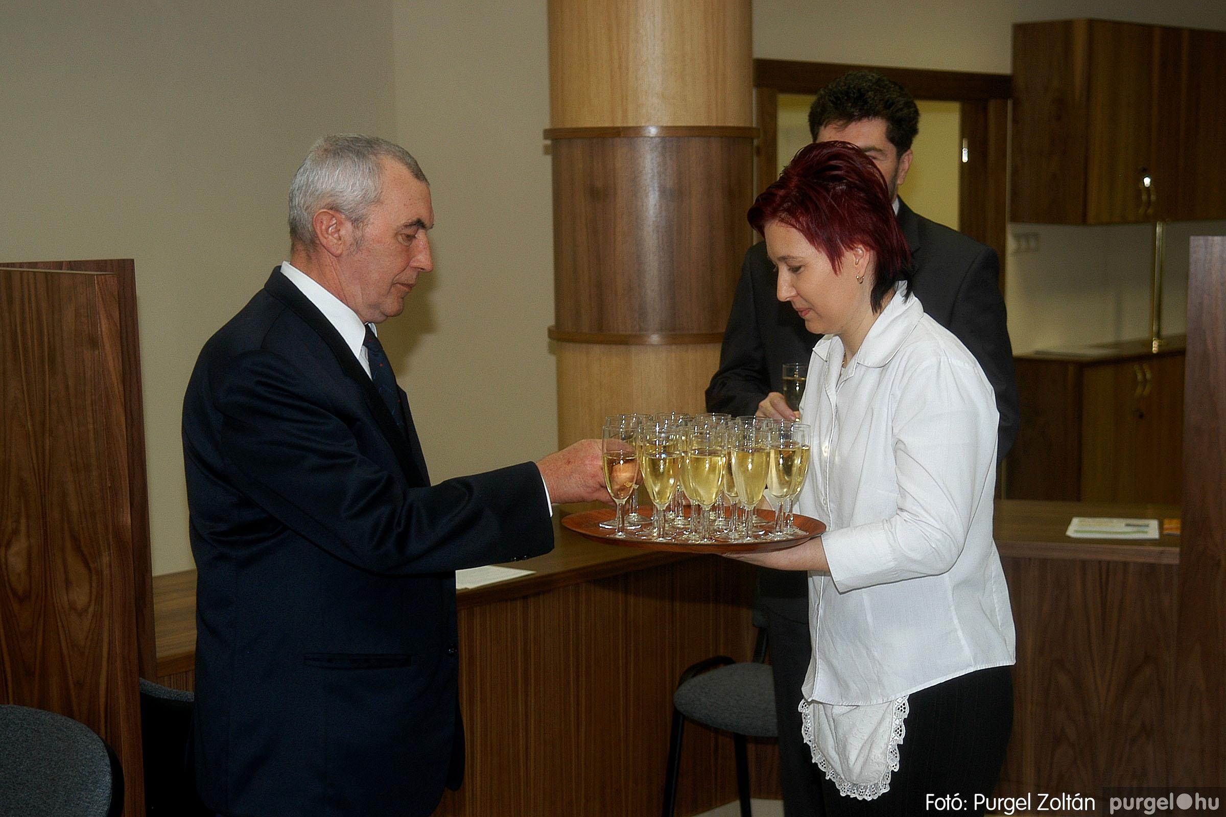 2007.02.02. 009 Szegvár és Vidéke Tak. hódmezővásárhelyi kirendeltségének megnyitója.jpg