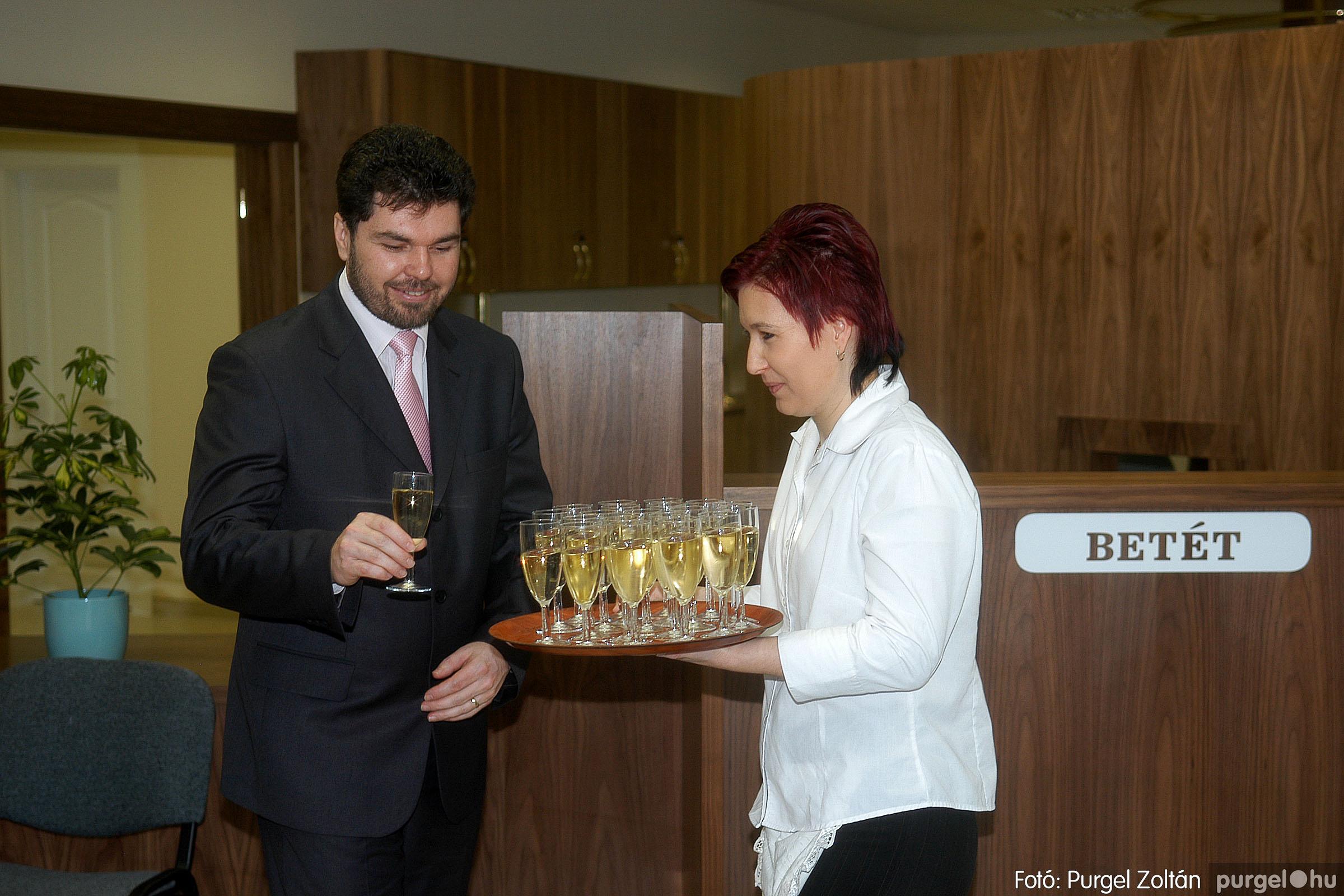 2007.02.02. 008 Szegvár és Vidéke Tak. hódmezővásárhelyi kirendeltségének megnyitója.jpg