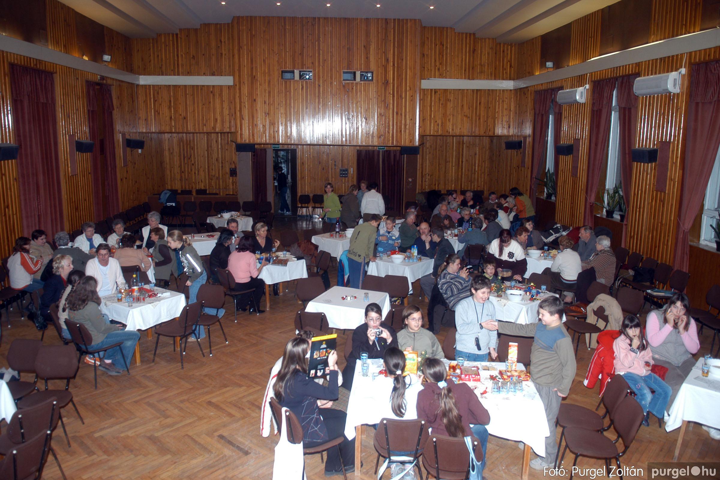 2006.12.12. 006 Klubkarácsony a Művelődési Házban - Fotó:PURGEL ZOLTÁN© DSC_0168q.jpg