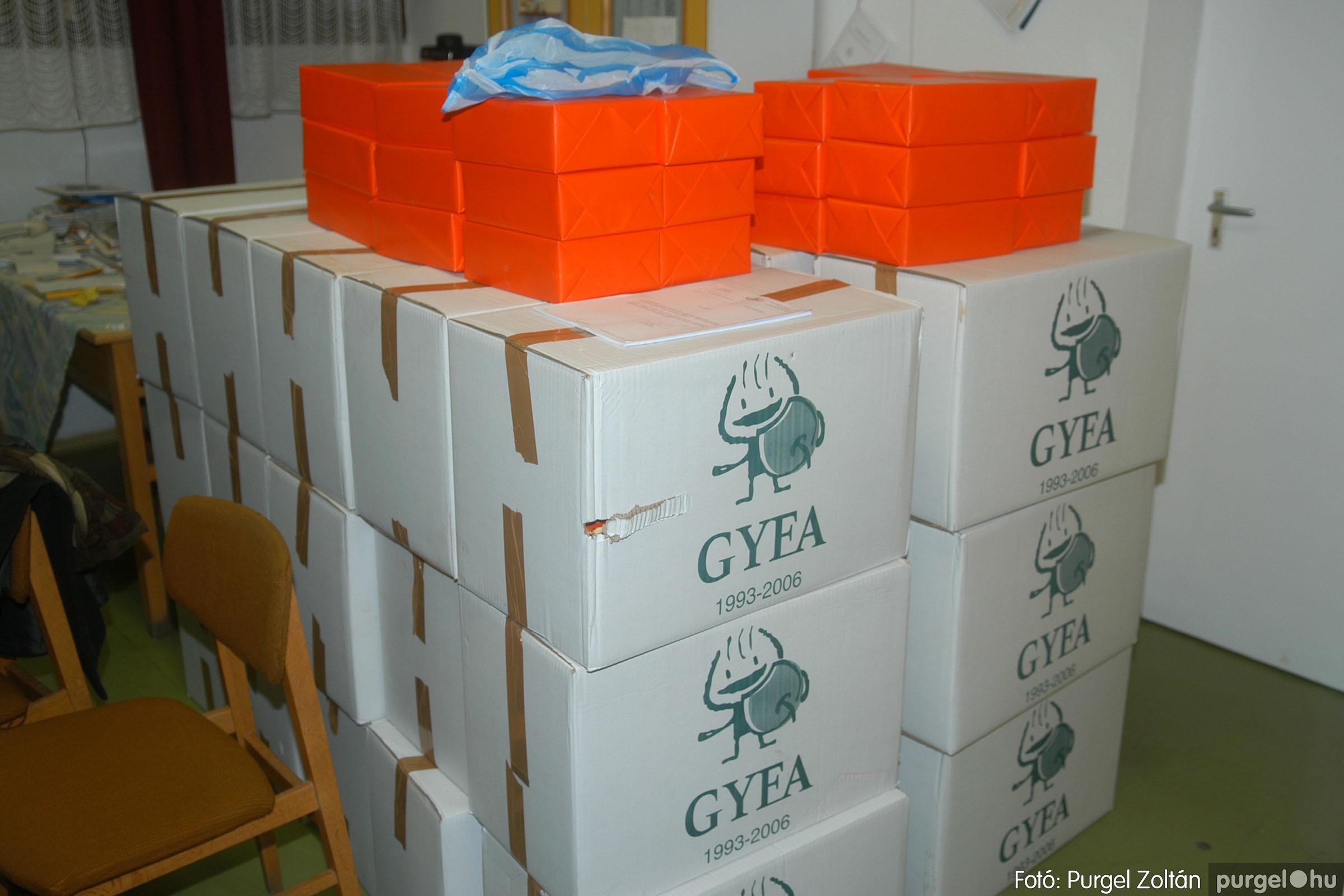 2006.12.21. 002 Gyermekélelmezési Alapítvány adományátadás - Fotó:PURGEL ZOLTÁN© DSC_0207q.jpg