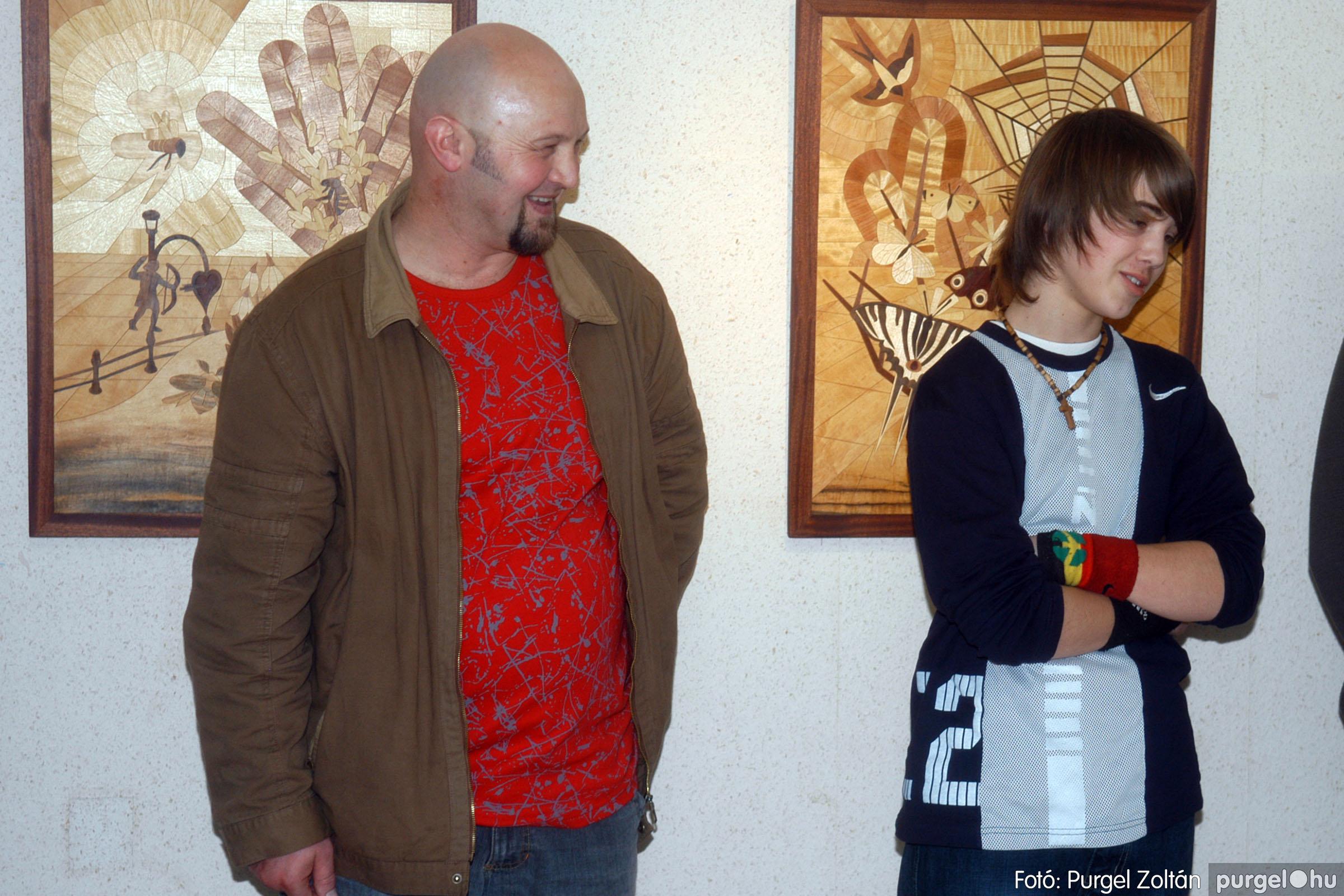 2007.01.16. 009 Én ezt tudom! fából készült alkotások kiállítása - Fotó:PURGEL ZOLTÁN© DSC_0028q.jpg