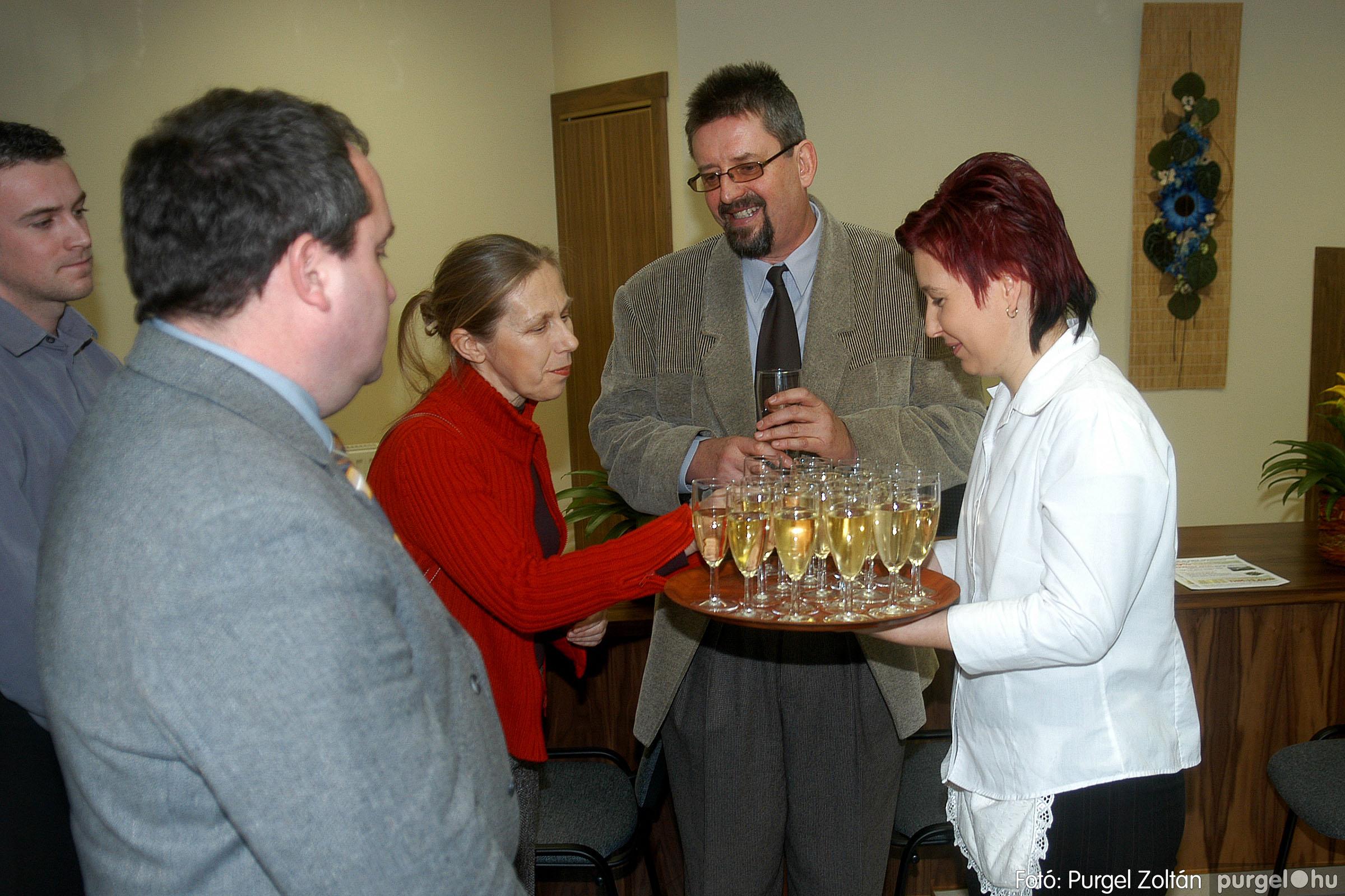 2007.02.02. 010 Szegvár és Vidéke Tak. hódmezővásárhelyi kirendeltségének megnyitója.jpg