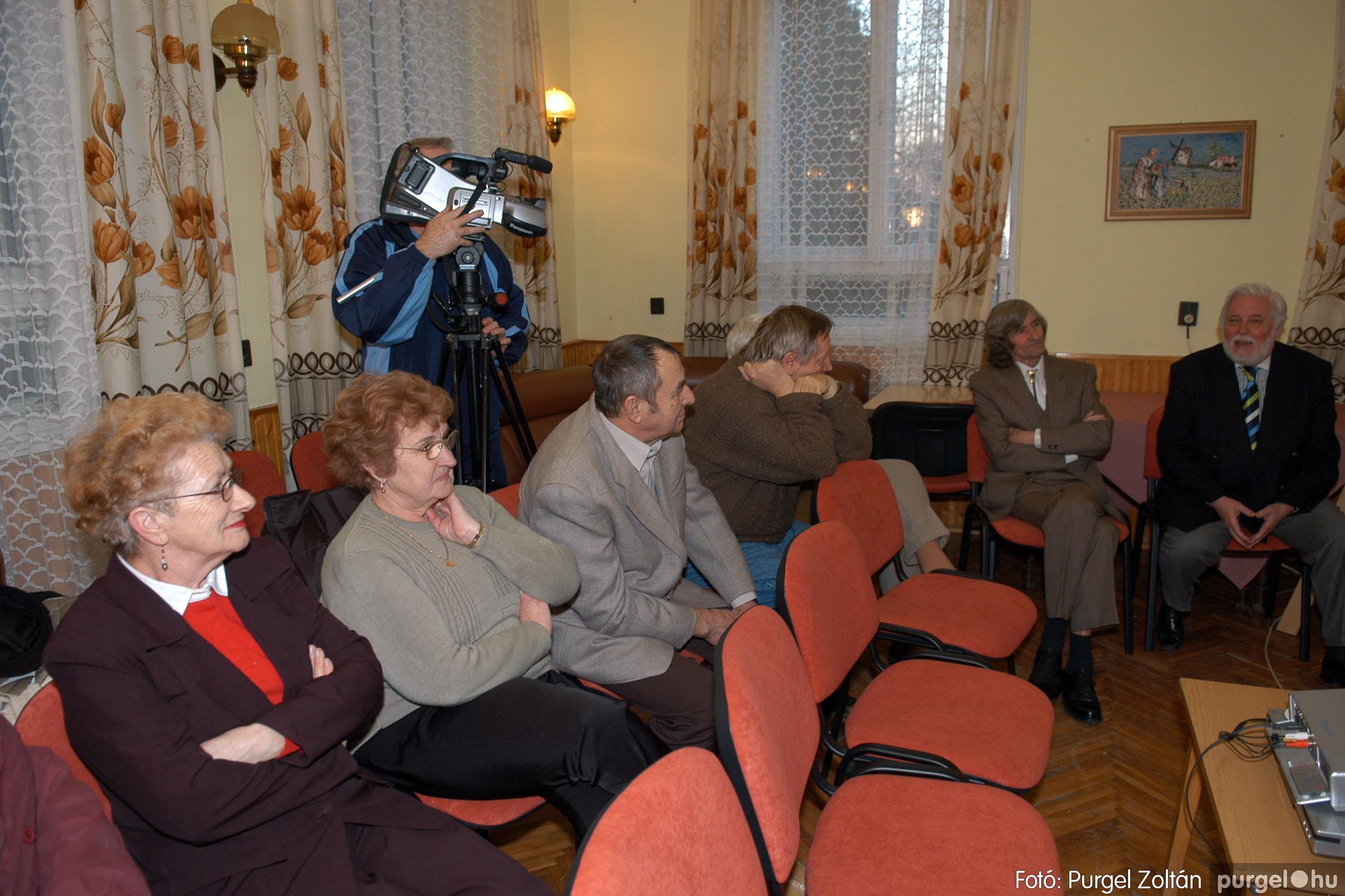 2007.02.27. 004 Beszélgetés Szűcs Árpád festőművésszel - Fotó:PURGEL ZOLTÁN© DSC_0369q.jpg
