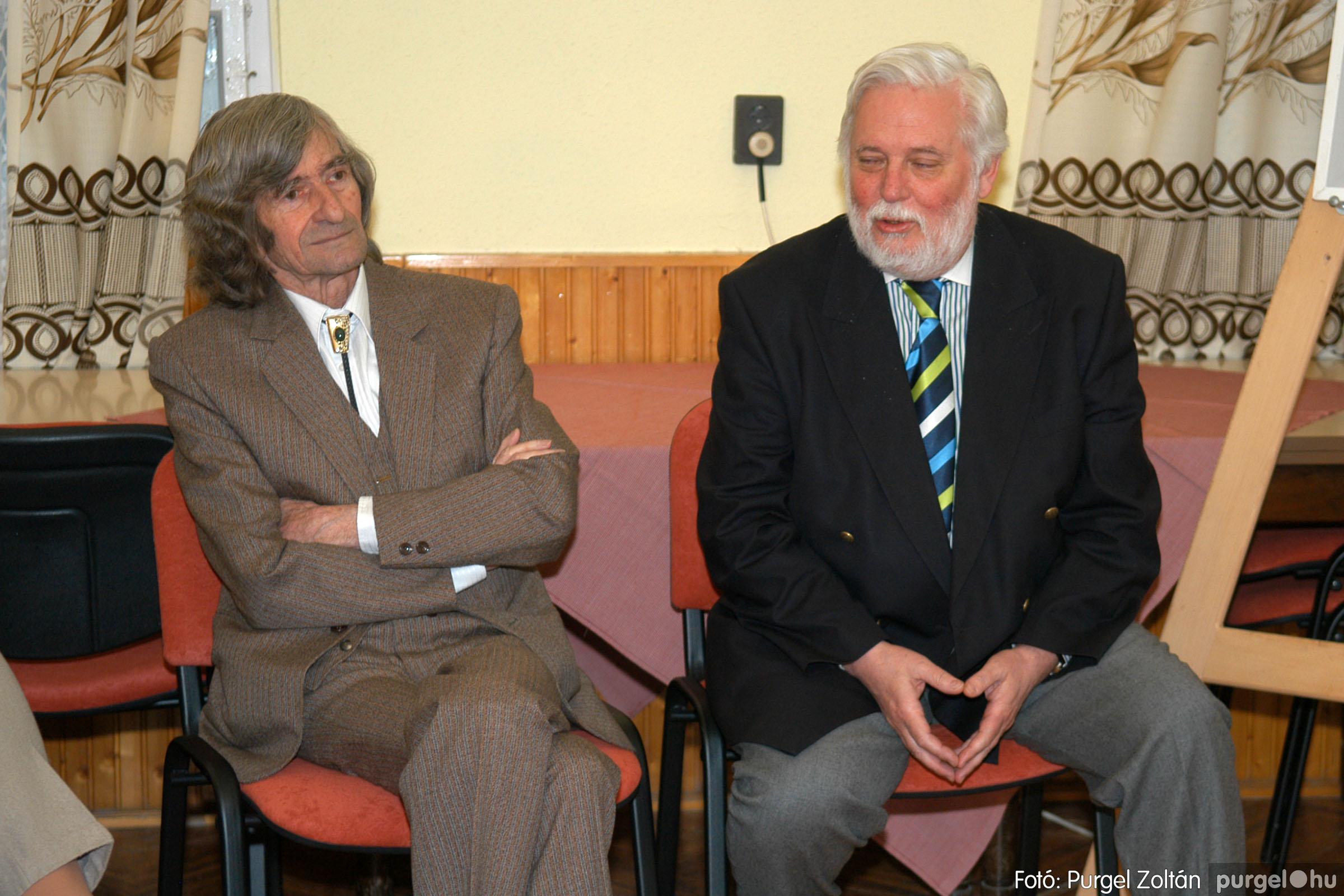 2007.02.27. 001 Beszélgetés Szűcs Árpád festőművésszel - Fotó:PURGEL ZOLTÁN© DSC_0366q.jpg