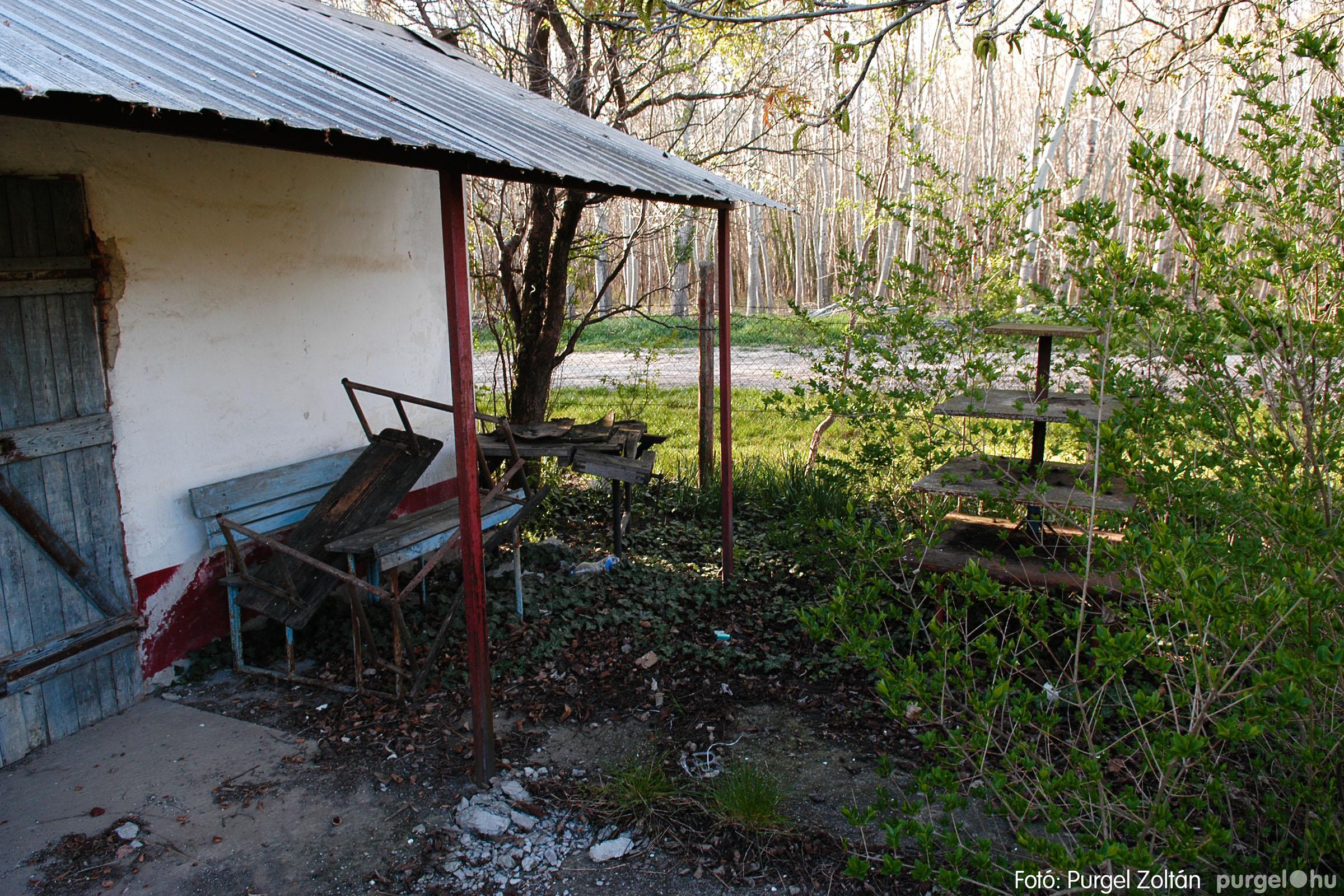 2007.04.08. 006 Látogatás az egykori iskolai gyakorlókertben - Fotó:PURGEL ZOLTÁN© DSC_0216q.jpg