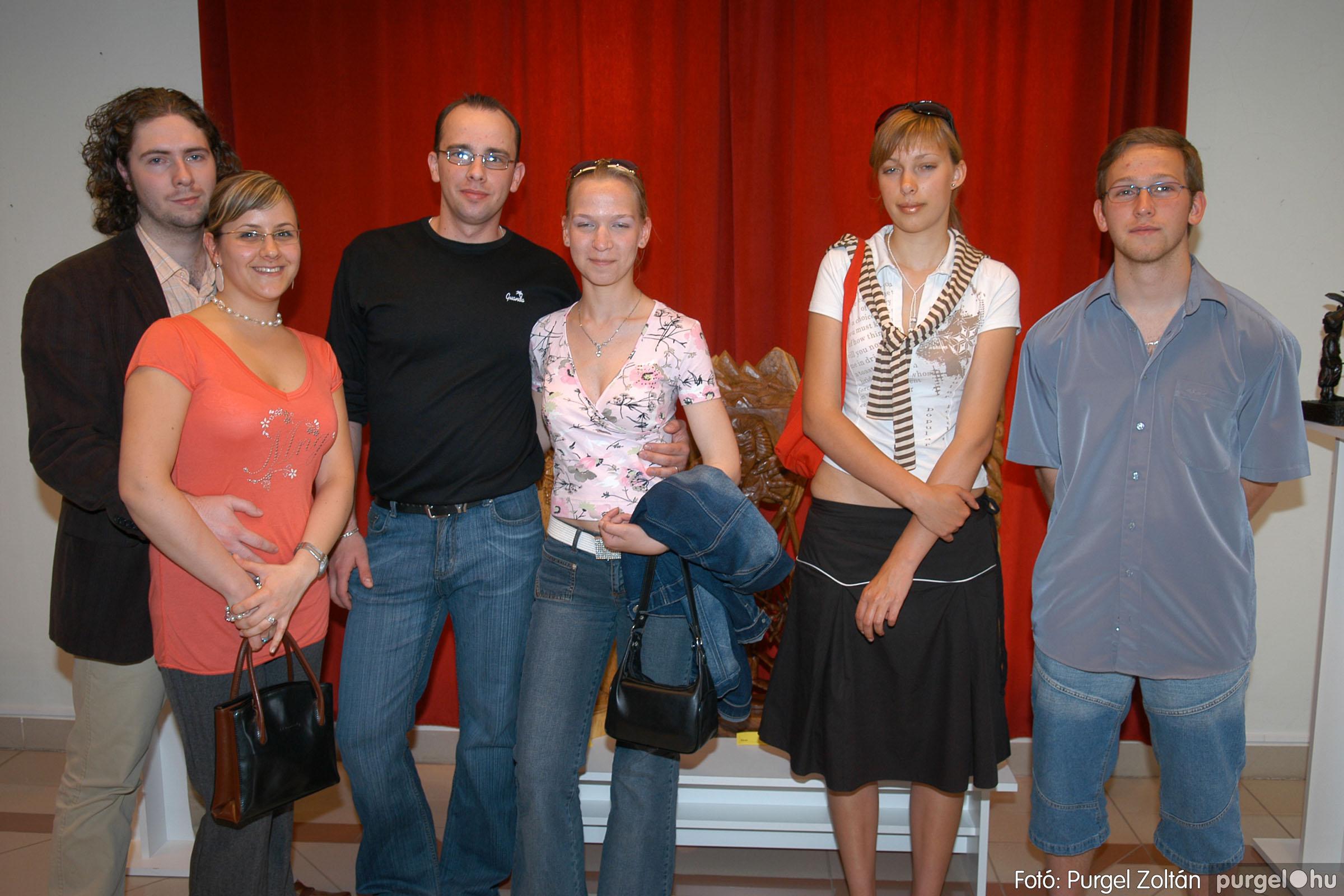 2007.04.28. 008 Tóth József fafaragó kiállítása Szentesen - Fotó:PURGEL ZOLTÁN© DSC_0099q.jpg