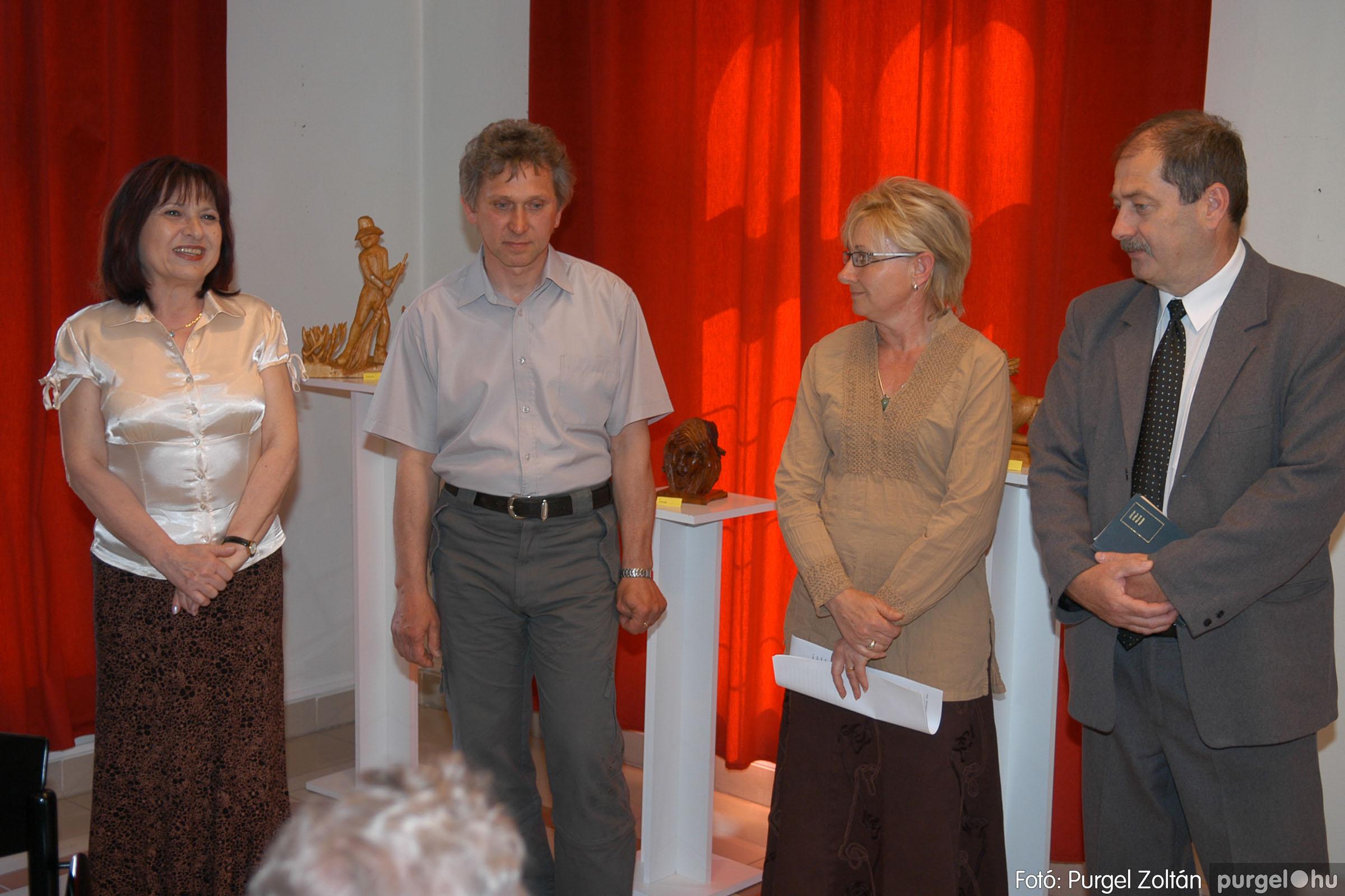 2007.04.28. 001 Tóth József fafaragó kiállítása Szentesen - Fotó:PURGEL ZOLTÁN© DSC_0092q.jpg