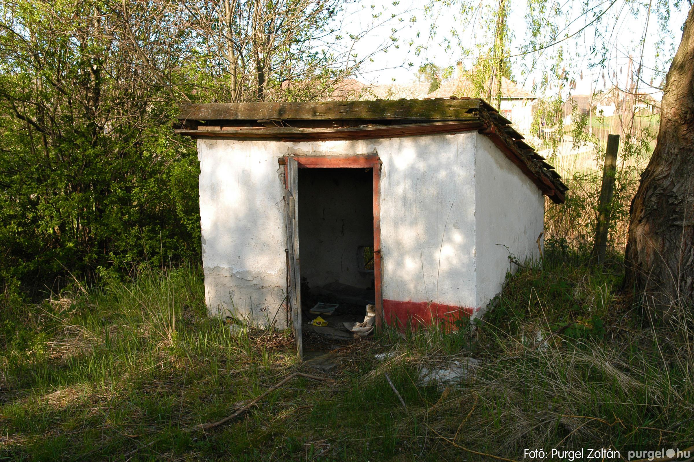 2007.04.08. 011 Látogatás az egykori iskolai gyakorlókertben - Fotó:PURGEL ZOLTÁN© DSC_0221q.jpg