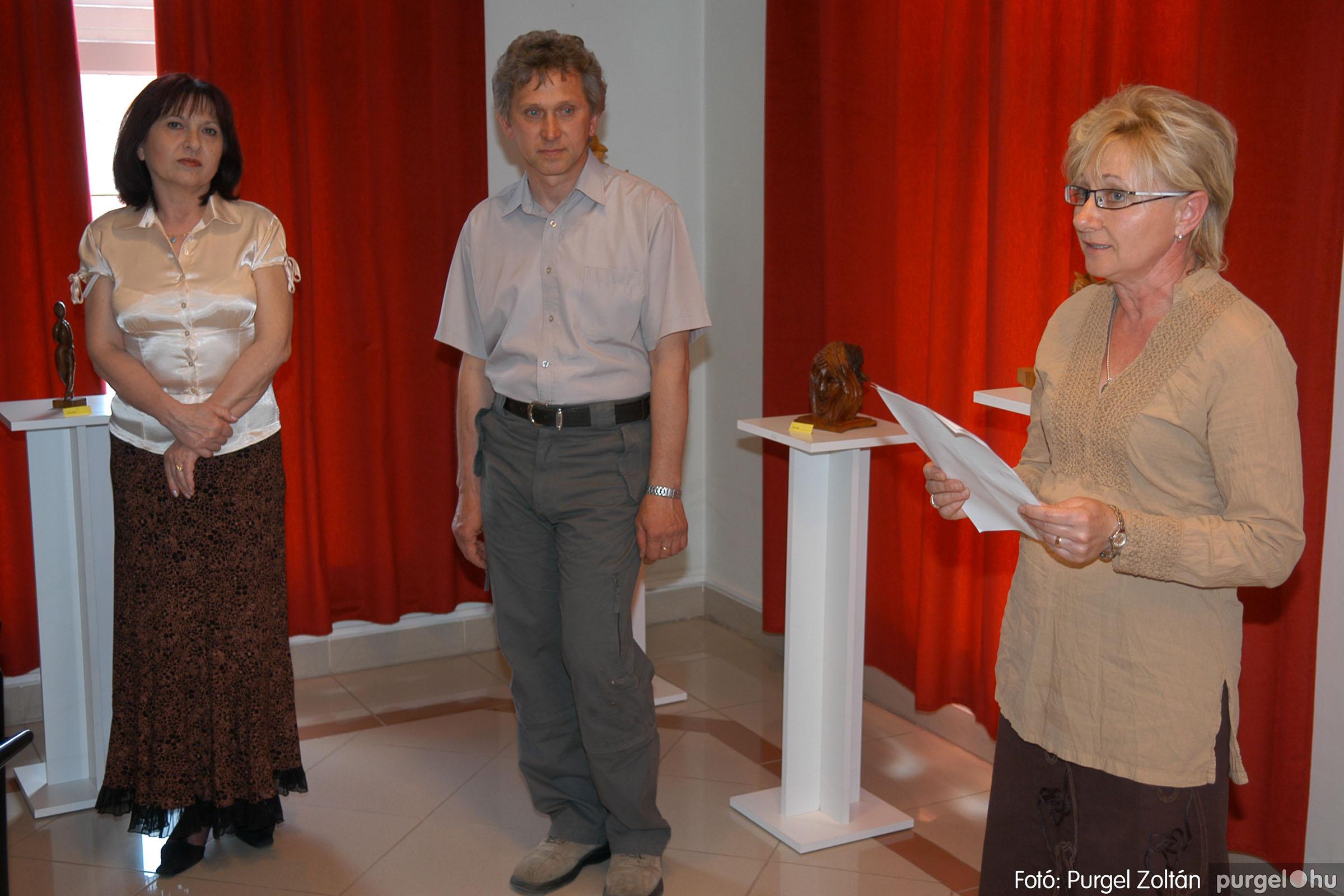 2007.04.28. 006 Tóth József fafaragó kiállítása Szentesen - Fotó:PURGEL ZOLTÁN© DSC_0097q.jpg