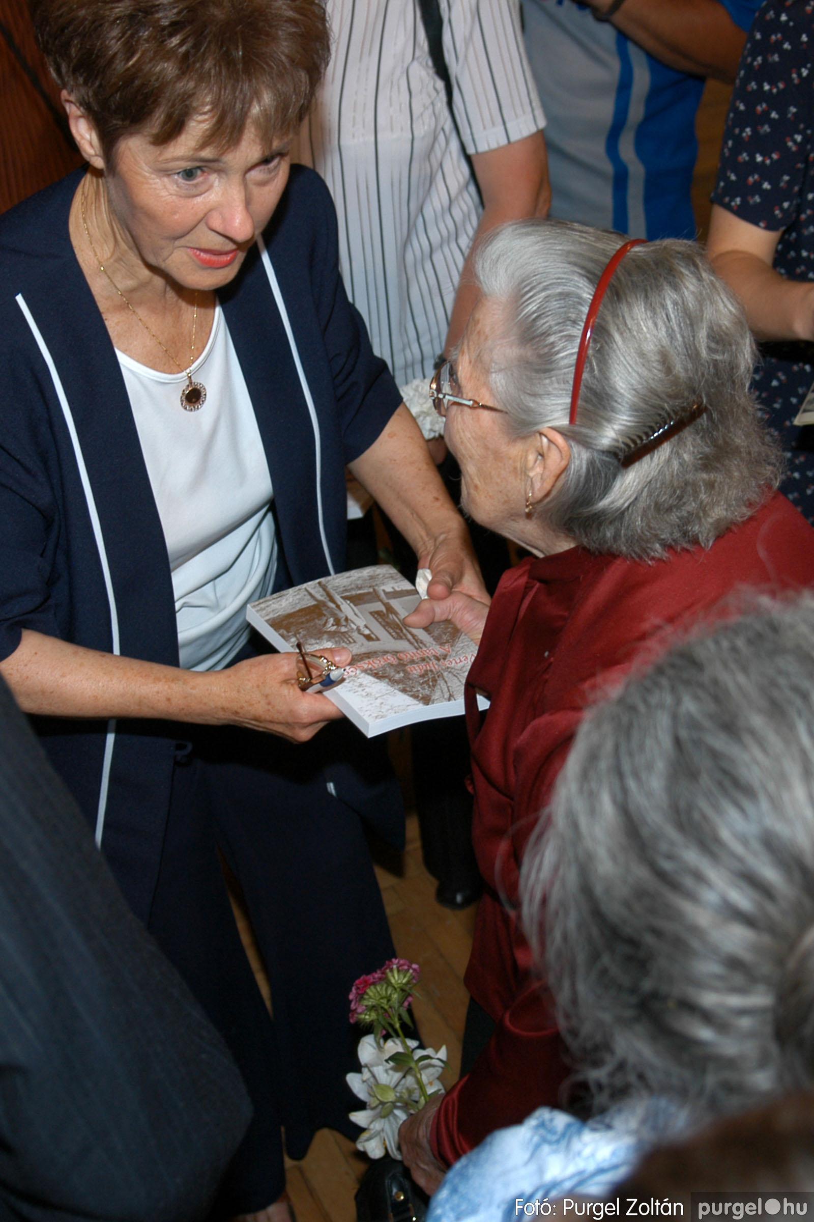 2007.06.03. 073 A tanító öröksége című könyv bemutatása Vértes Judittal - Fotó:PURGEL ZOLTÁN© DSC_0549q.jpg