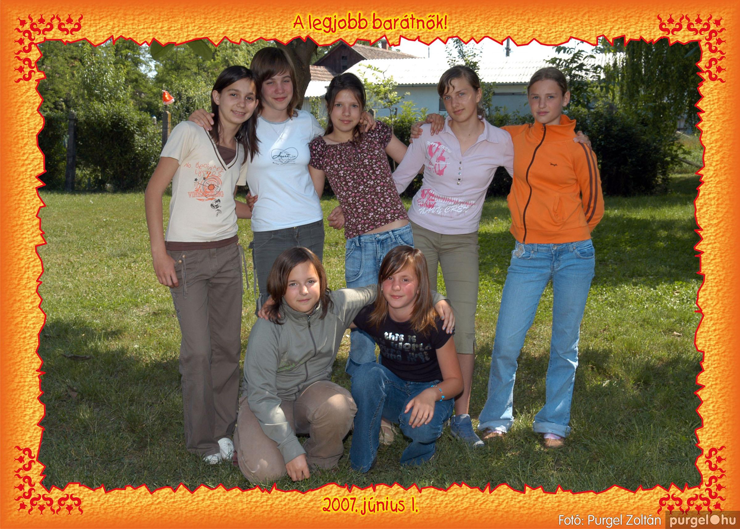 A 2007.06.01. 009 Forray Máté Általános Iskola ballagás 2007. - Ajándék fotók - Fotó:PURGEL ZOLTÁN© 071fit.jpg
