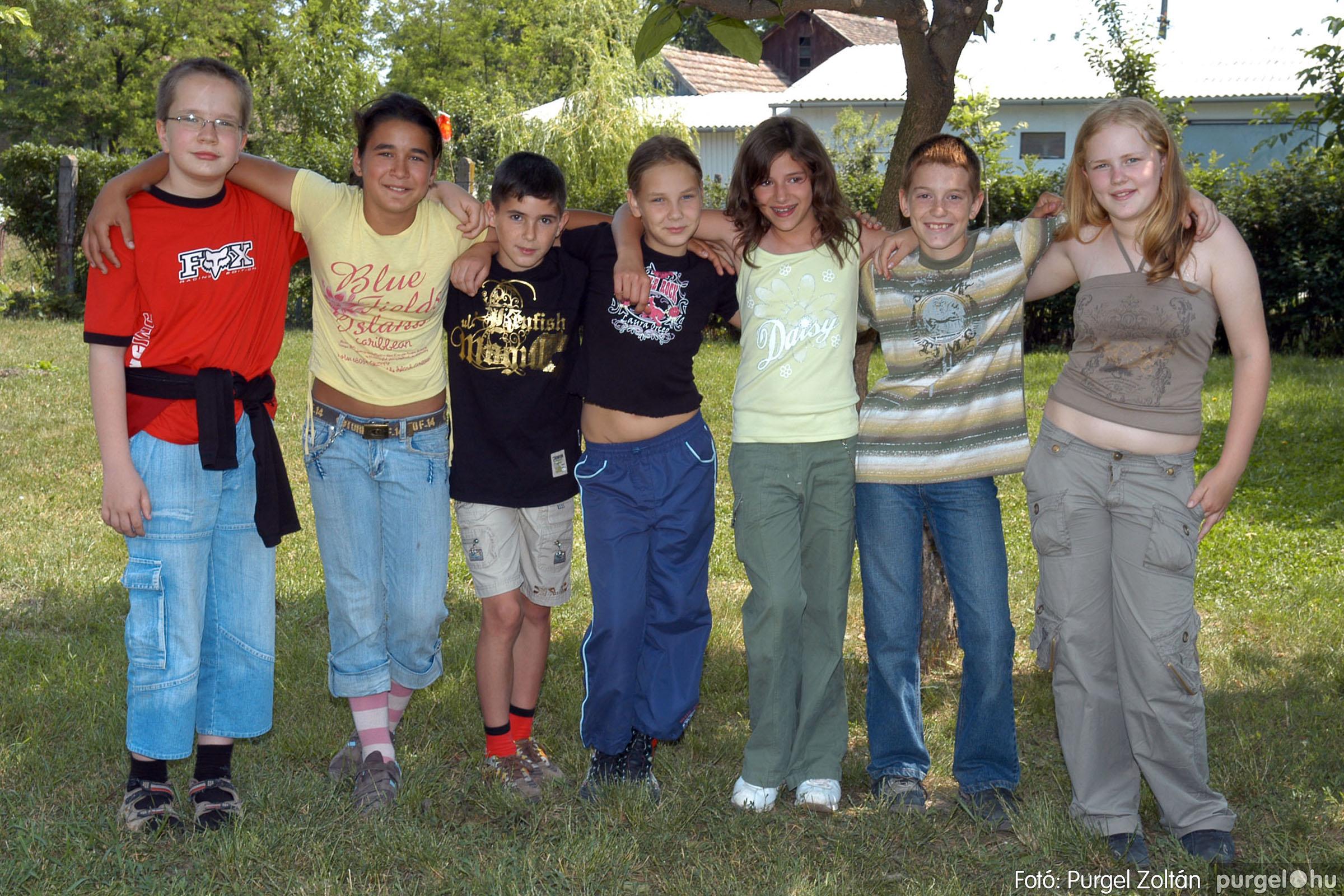 A 2007.06.01. 027 Forray Máté Általános Iskola ballagás 2007. - Ajándék fotók - Fotó:PURGEL ZOLTÁN© 105.jpg