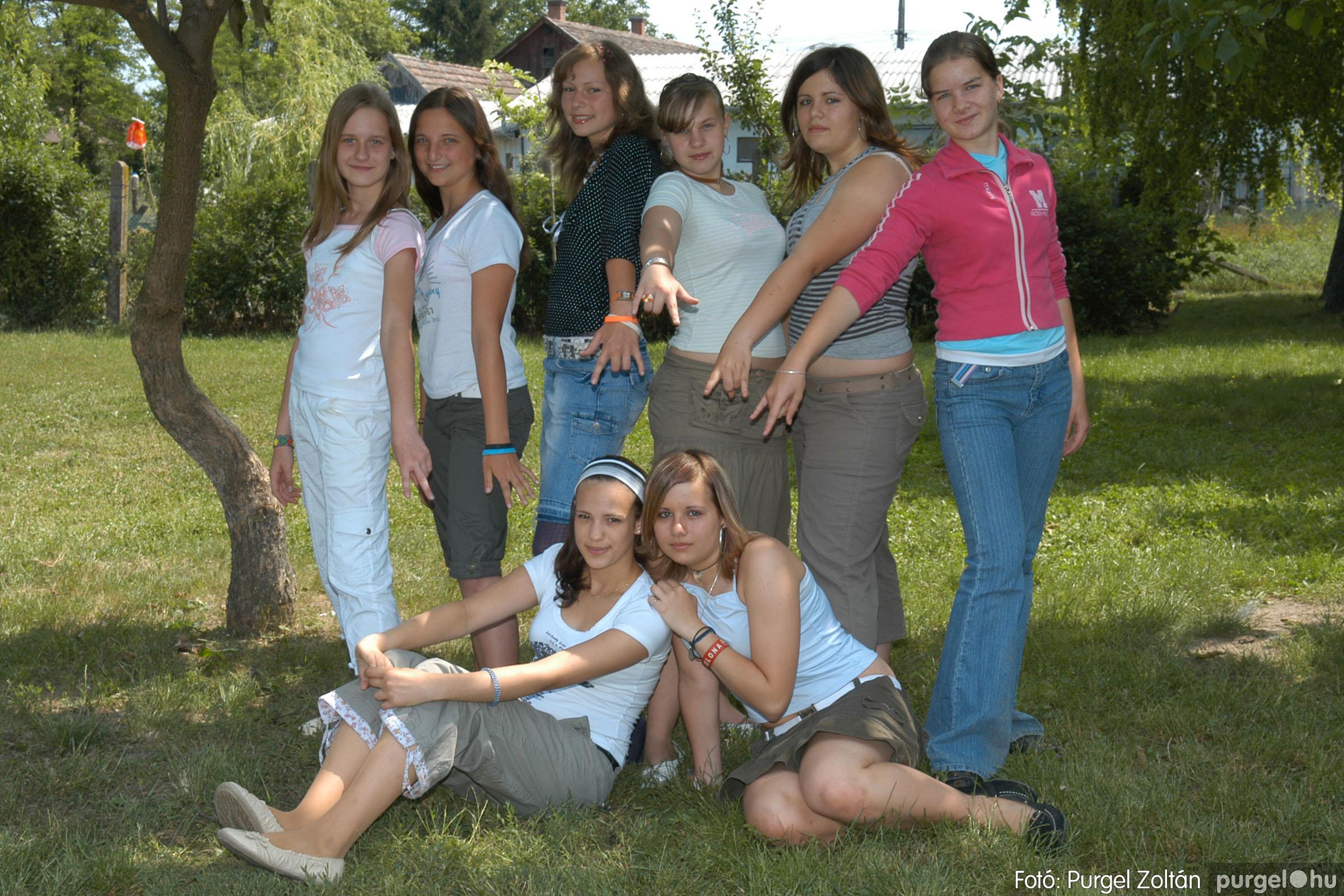 A 2007.06.01. 026 Forray Máté Általános Iskola ballagás 2007. - Ajándék fotók - Fotó:PURGEL ZOLTÁN© 103.jpg