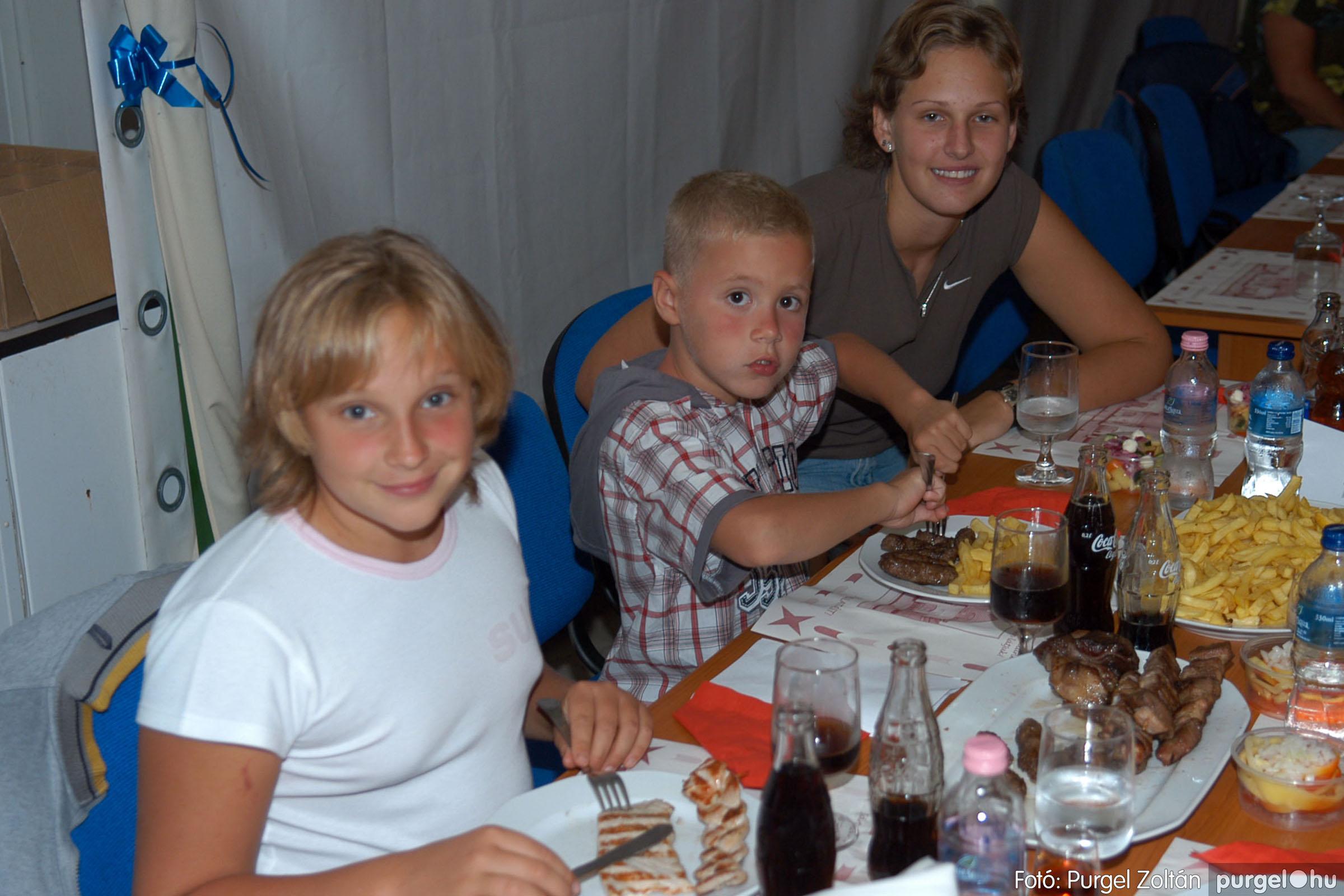 2007.08.11. 002 Szerb napok a Castellum Étteremben - Fotó:PURGEL ZOLTÁN© DSC_0470q.jpg