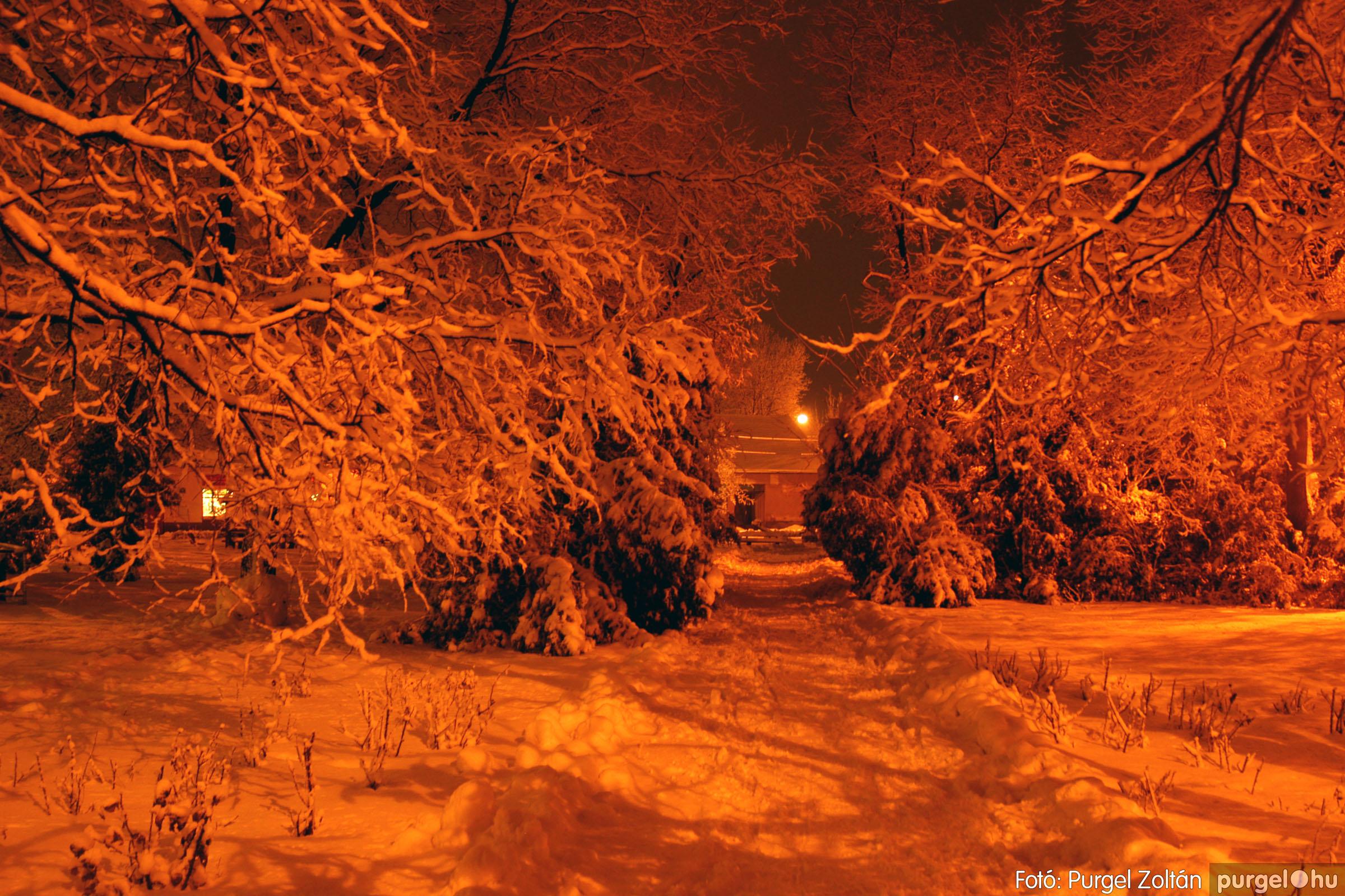 024 Örök pillanatok fotókiállításom képei - Sétány · Pavement - Fotó:PURGEL ZOLTÁN©.jpg