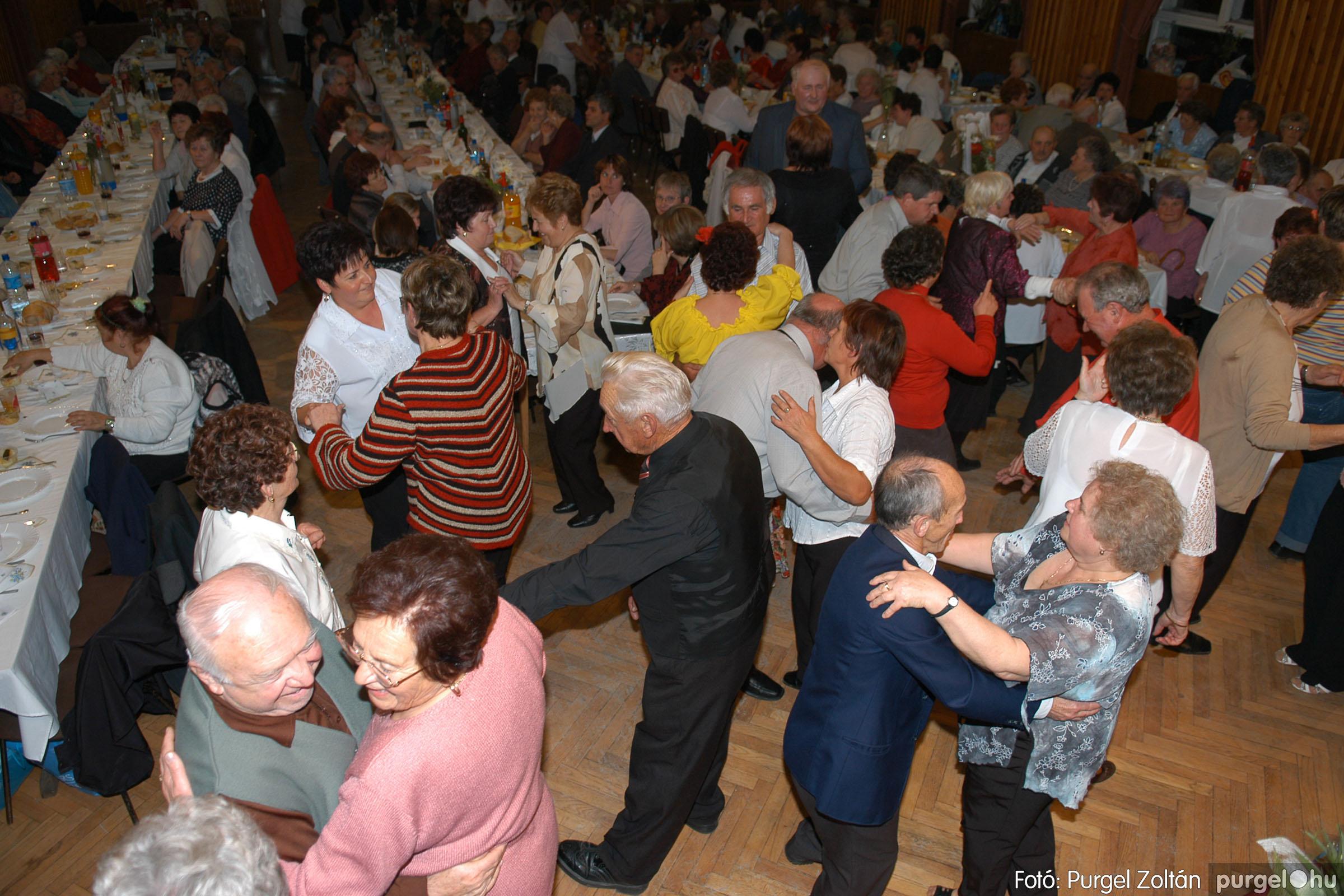 2007.11.10. 052 Szép Öregkor Nyugdíjas Klub bál - Fotó:PURGEL ZOLTÁN© DSC_0066q.jpg