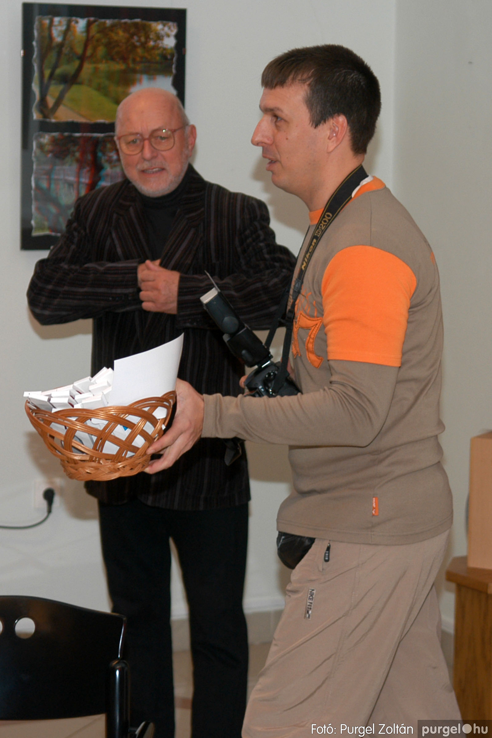 2007.12.03. 009 Vidovics Ferenc fotókiállítása Szentesen - Fotó:PURGEL ZOLTÁN© DSC_0387q.jpg