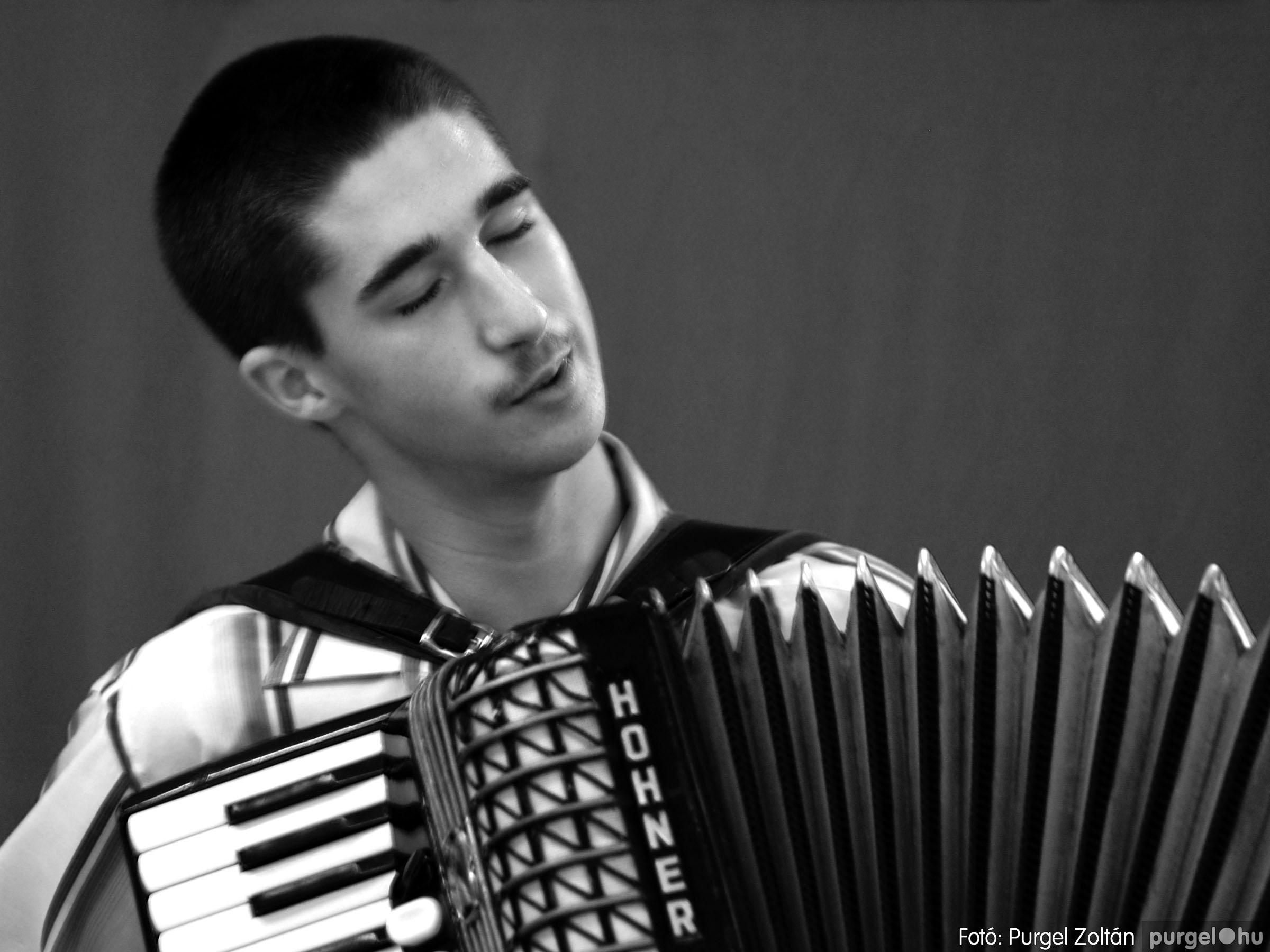 003 Örök pillanatok fotókiállításom képei - Harmonikás · Accordionist - Fotó:PURGEL ZOLTÁN©.jpg