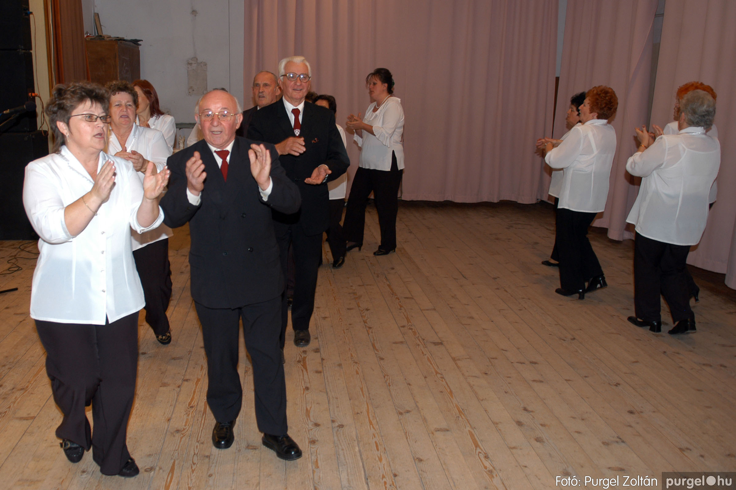 2007.11.10. 035 Szép Öregkor Nyugdíjas Klub bál - Fotó:PURGEL ZOLTÁN© DSC_0041q.jpg