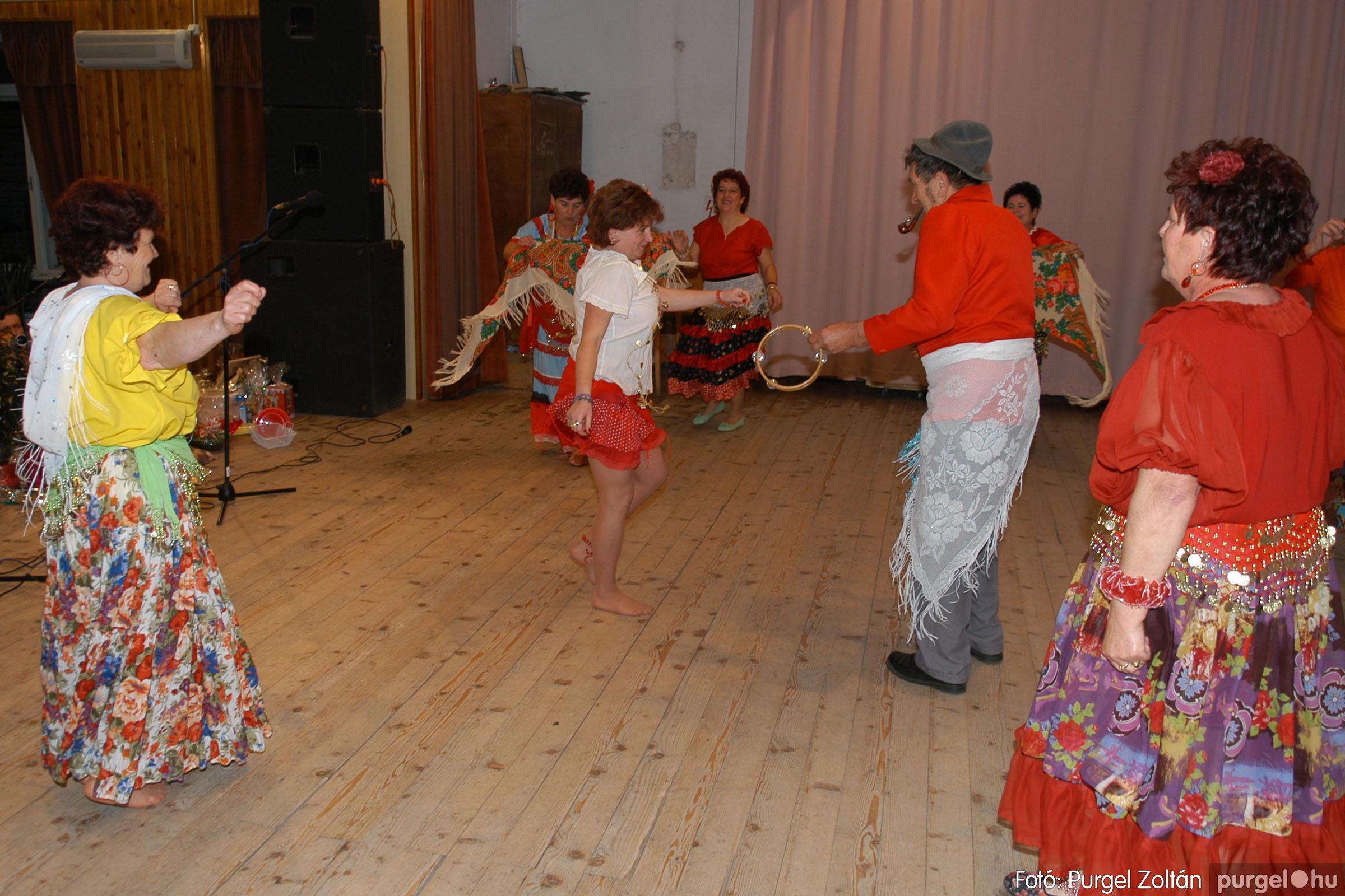 2007.11.10. 031 Szép Öregkor Nyugdíjas Klub bál - Fotó:PURGEL ZOLTÁN© DSC_0037q.jpg