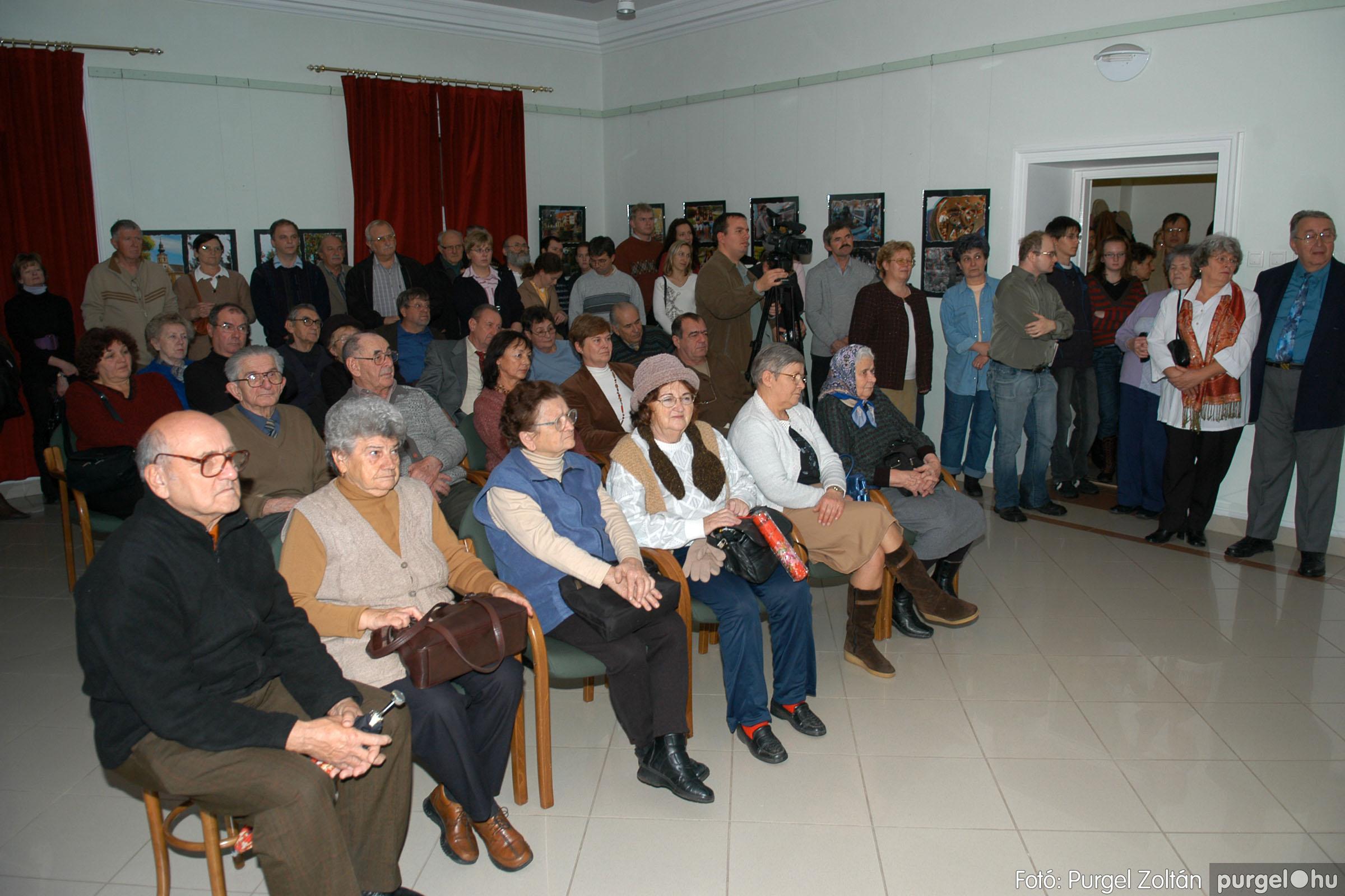 2007.12.03. 006 Vidovics Ferenc fotókiállítása Szentesen - Fotó:PURGEL ZOLTÁN© DSC_0382q.jpg