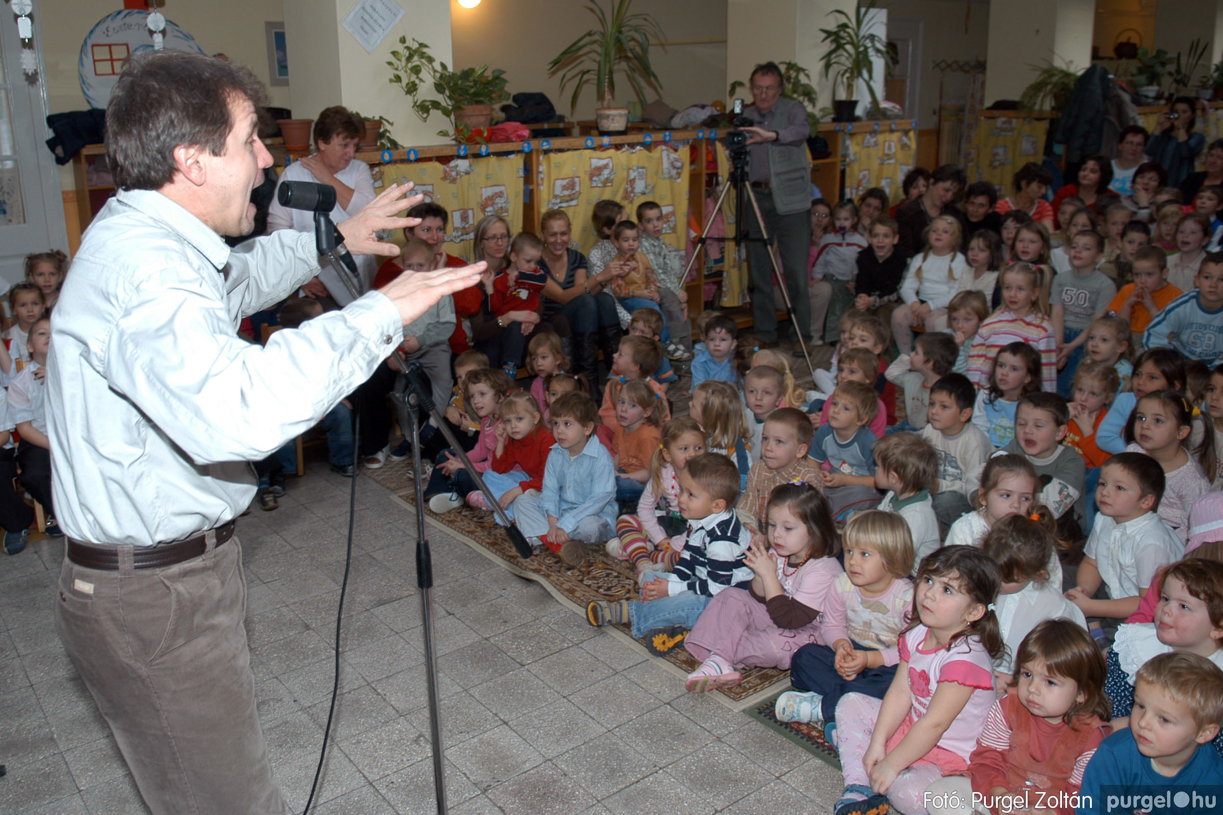2007.12.18. 014 Kurca-parti Óvoda karácsonyi műsor - Fotó:PURGEL ZOLTÁN© DSC_0240q.jpg