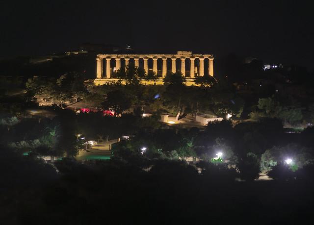 Ciri Noche en  el Olimpo