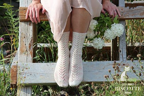 Free sock pattern by Andrea Yetman - Her Garden's Flowers