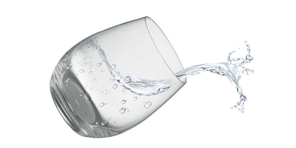 un-morceau-de-bois-pour-désaler-eau