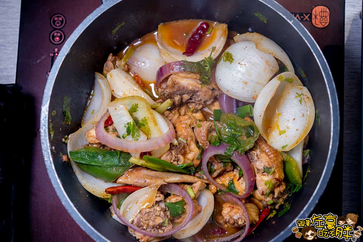 聞雞起爐麻辣雞煲火鍋(港式料理)-32