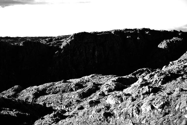 Stone over shadows - Piedra sobre sombras.