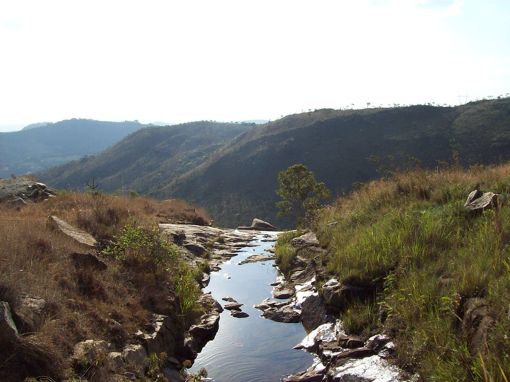 Serra da Moeda - Estrada entre Moeda e a BR-040