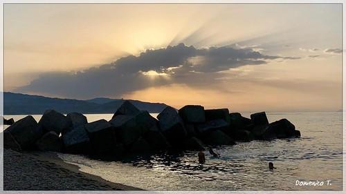 Una nuotata prima che tramonti il sole - A swim before the sun sets