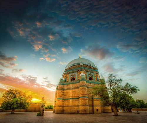 shahruknealam tomb multan pakistan lovely buildings architecture colorfull sunset amazing sunlight hdr