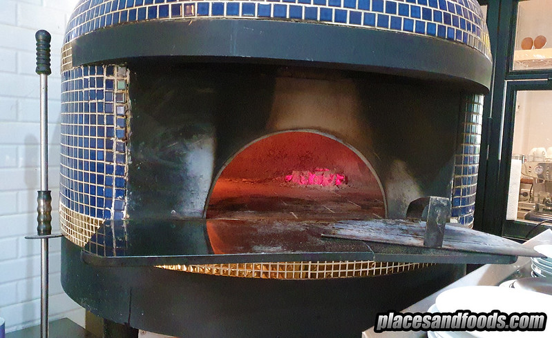 phuket crust wooden fire pizza oven