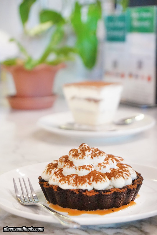 phuket crust banoffee pie