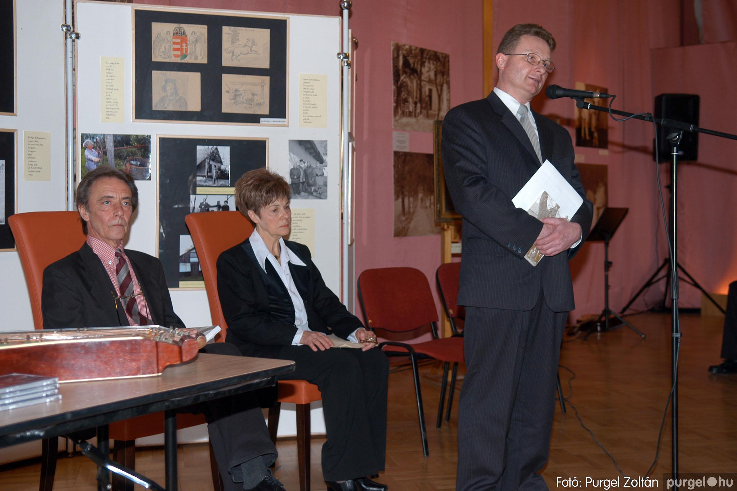 2008.04.07. 003 A tanító öröksége című kiállítás megnyitója Szegeden - Fotó:PURGEL ZOLTÁN© DSC_0628q.jpg