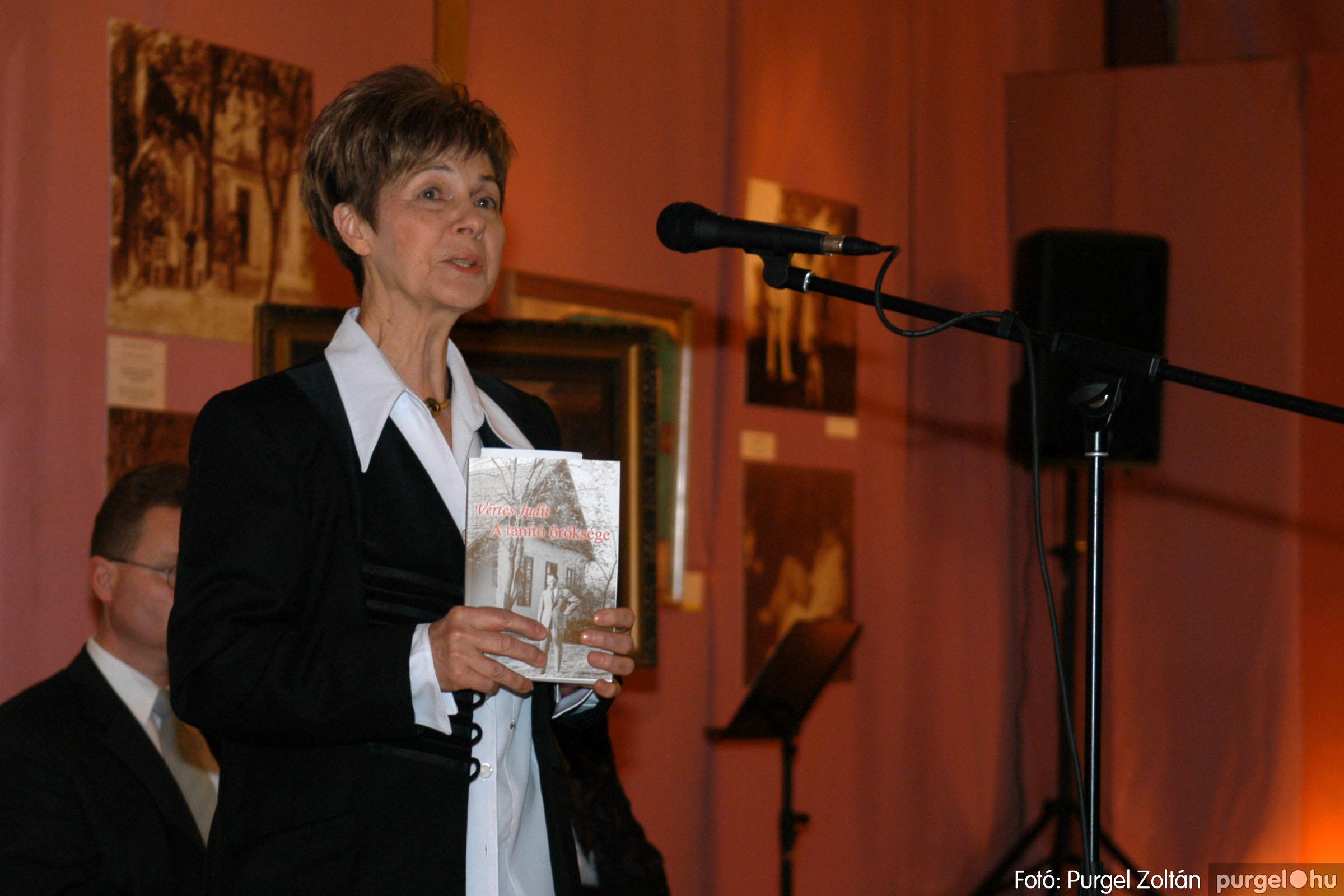 2008.04.07. 005 A tanító öröksége című kiállítás megnyitója Szegeden - Fotó:PURGEL ZOLTÁN© DSC_0632q.jpg