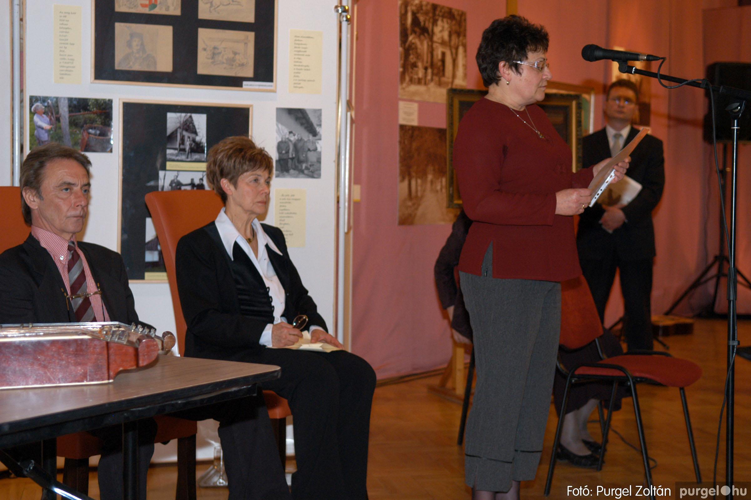 2008.04.07. 009 A tanító öröksége című kiállítás megnyitója Szegeden - Fotó:PURGEL ZOLTÁN© DSC_0637q.jpg