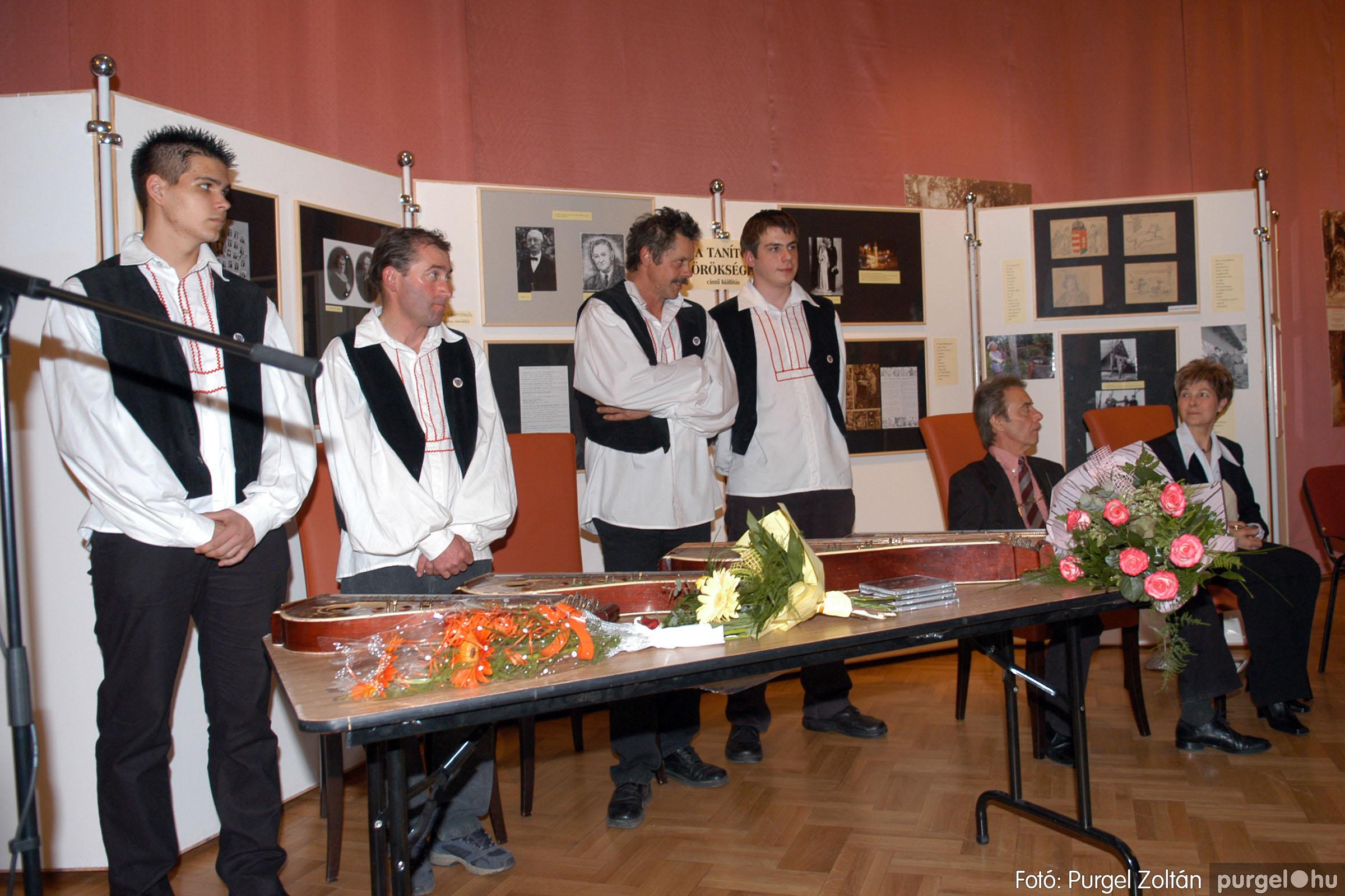 2008.04.07. 013 A tanító öröksége című kiállítás megnyitója Szegeden - Fotó:PURGEL ZOLTÁN© DSC_0643q.jpg