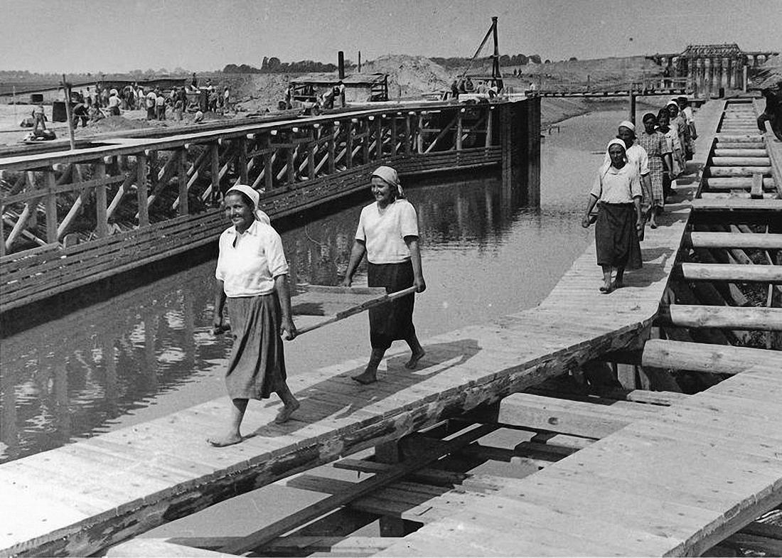 1940. Женский труд. Строительство Днепровско-Бугского канала..