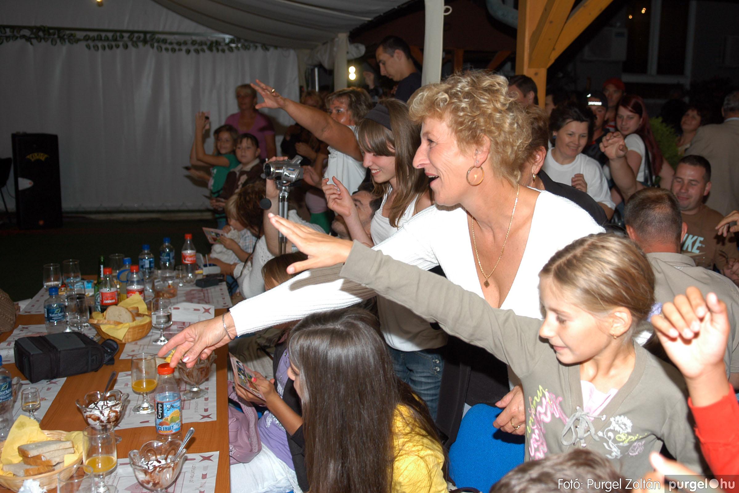 2008.08.09. 042 Szerb napok a Castellum Étteremben - Fotó:PURGEL ZOLTÁN© DSC_0376q.jpg