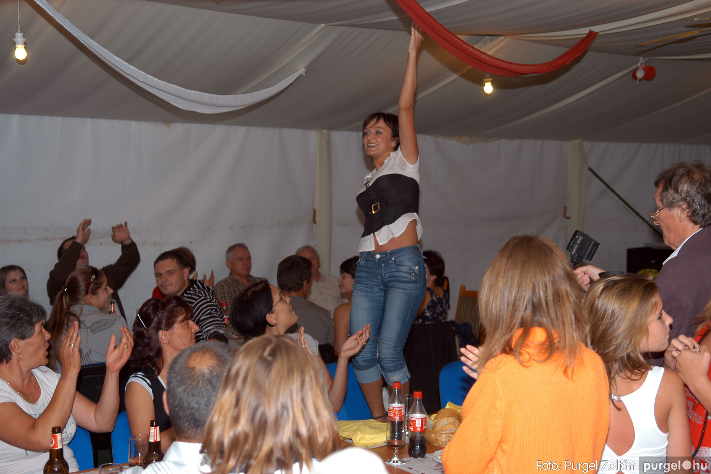 2008.08.09. 058 Szerb napok a Castellum Étteremben - Fotó:PURGEL ZOLTÁN© DSC_0397q.jpg
